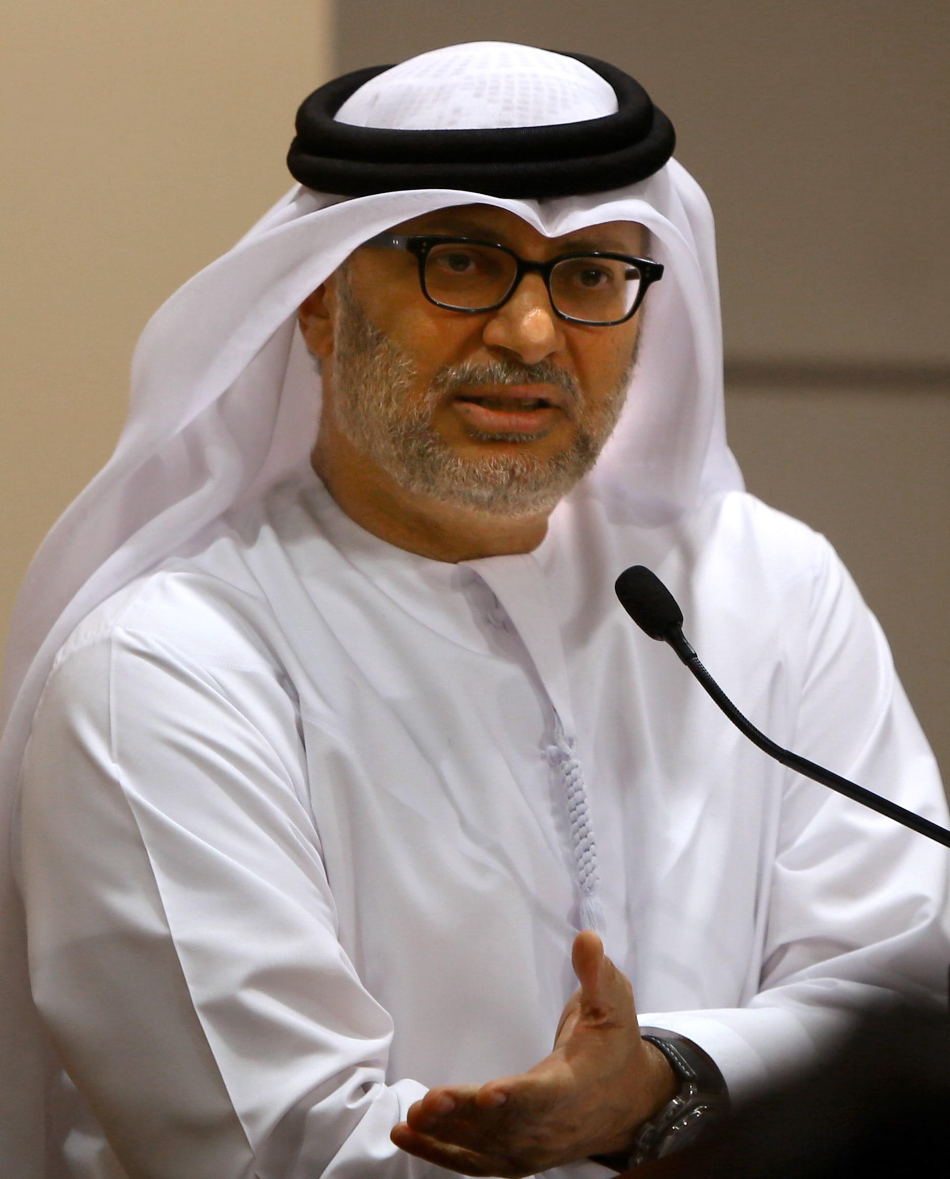 وزير إماراتي ينتقد تصريحات العبادي والممارسات بالعراق وسوريا: سياسة إيران طائفية وتحاول التوسع في العالم العربي