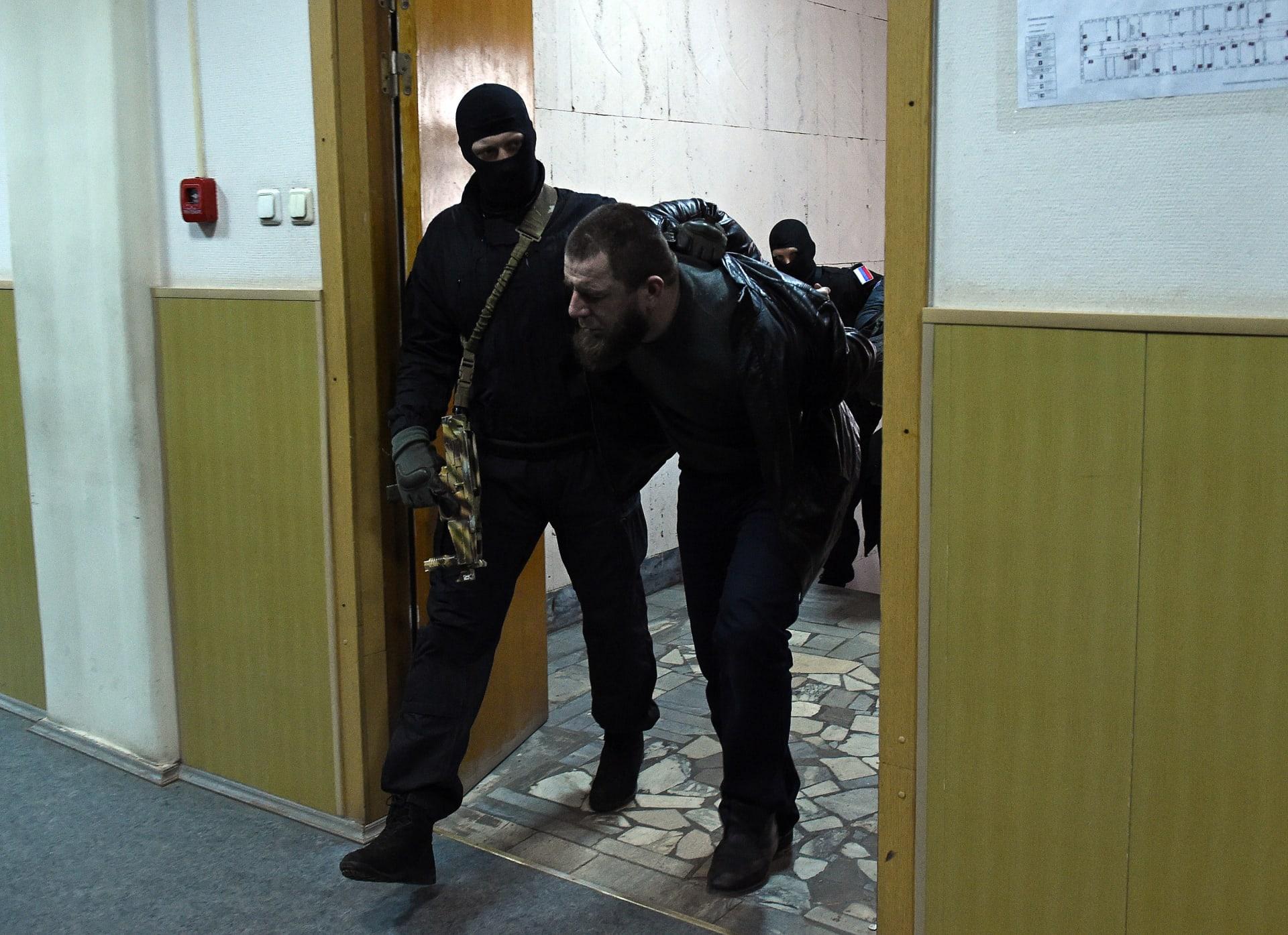 أحدهم قتل نفسه .. من هم المشتبه فيهم بقتل زعيم المعارضة الروسية نيمتسوف؟