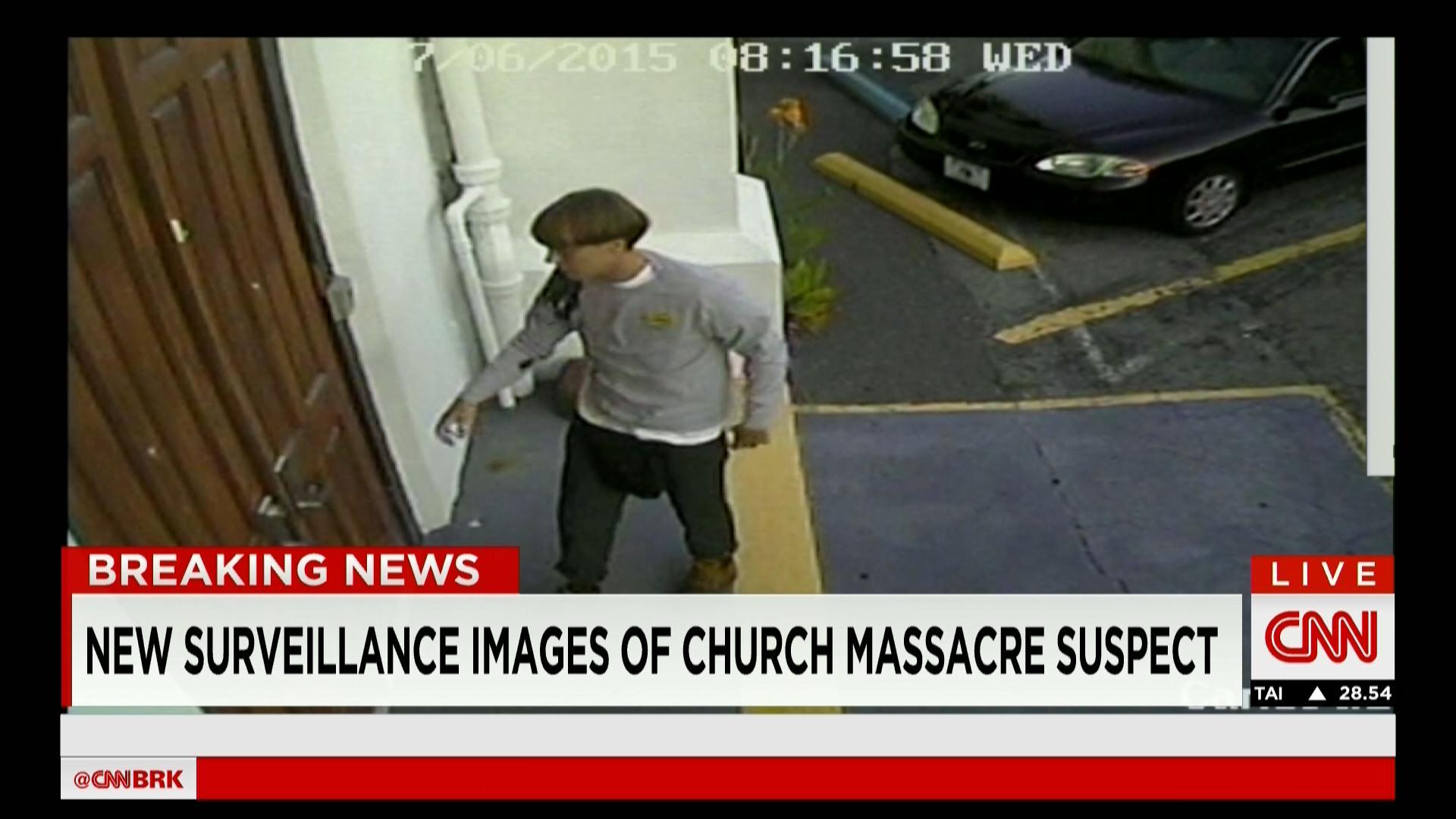 حصريا على CNN: الصور الأولى للمشتبه فيه بقتل 9 مصلين في إطلاق نار على كنيسة للسود بأمريكا