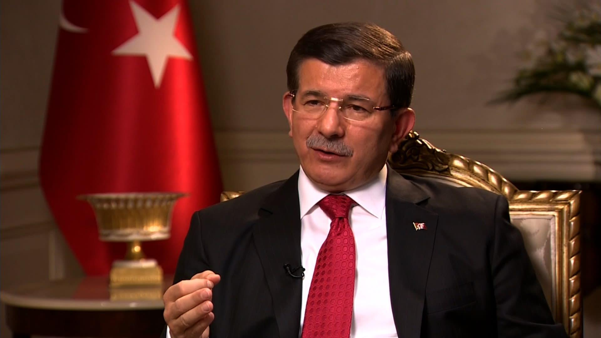 داود أوغلو لـCNN: القضية طريقة رحيل الأسد لا مدة بقائه.. تعديل الدستور ليس لتقوية أردوغان بل لتصحيح نظام وضعه انقلاب