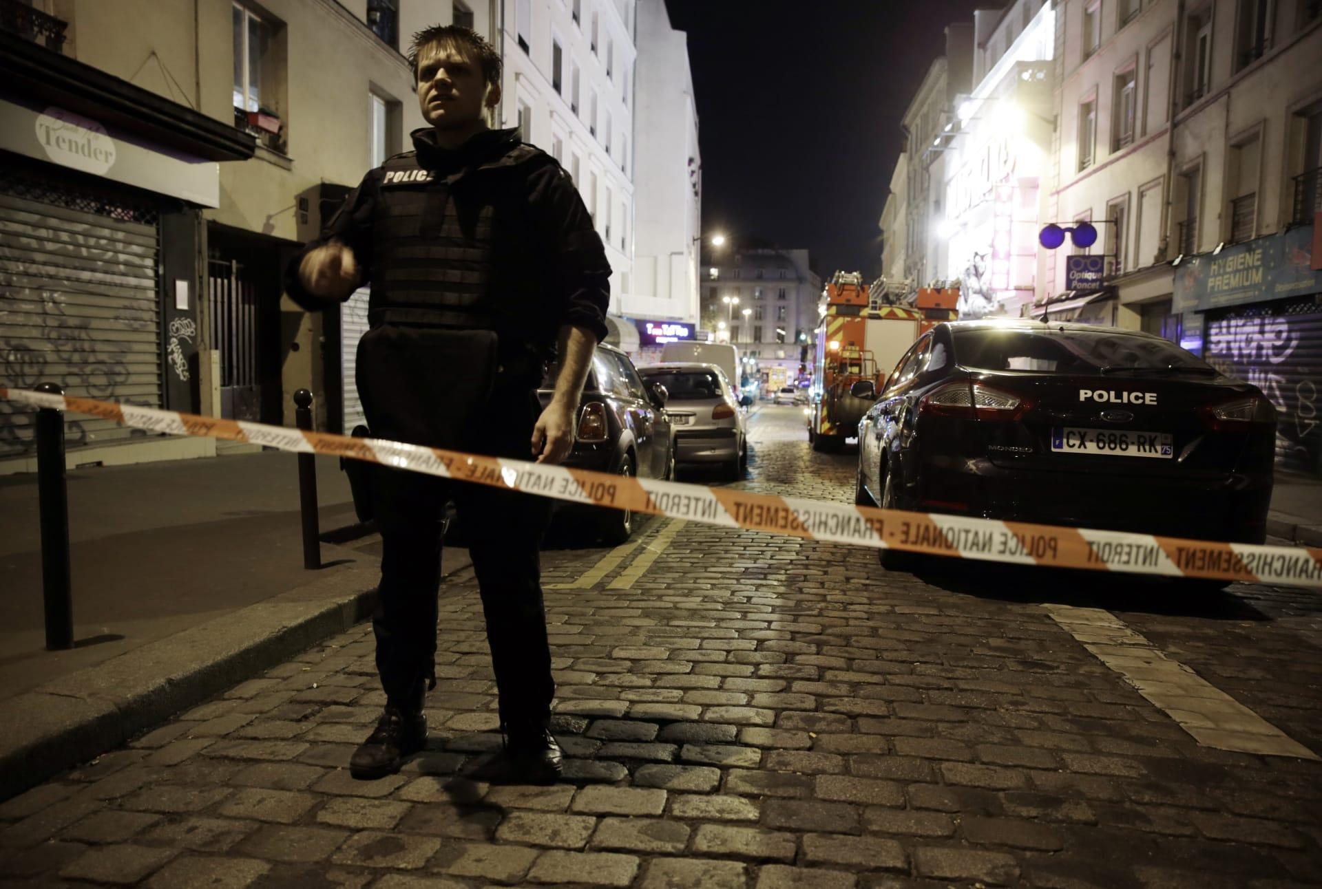 """الشرطة الفرنسية لـCNN: إغلاق ضاحية """"مونتروج"""" في باريس بعد اكتشاف جسم يشبه حزاما ناسفا"""
