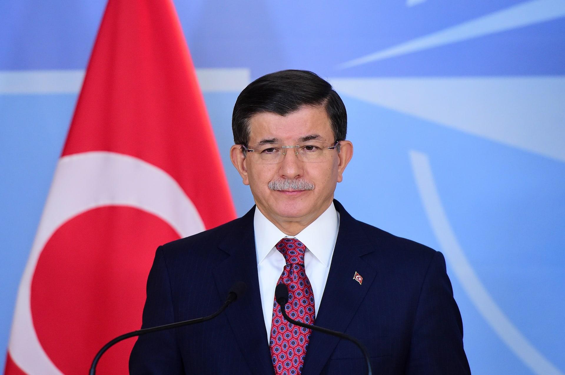 """أوغلو: تركيا ستوقف إرسال قواتها للعراق مراعاة لـ""""حساسيات"""" حكومة بغداد"""