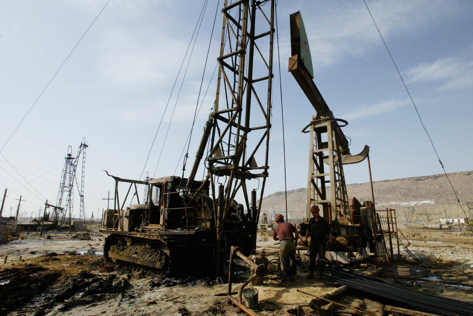 أذربيجان ترتدي ثوب الحداد بعد مقتل وفقدان 30 شخصاً بانفجار منصة نفطية في بحر قزوين