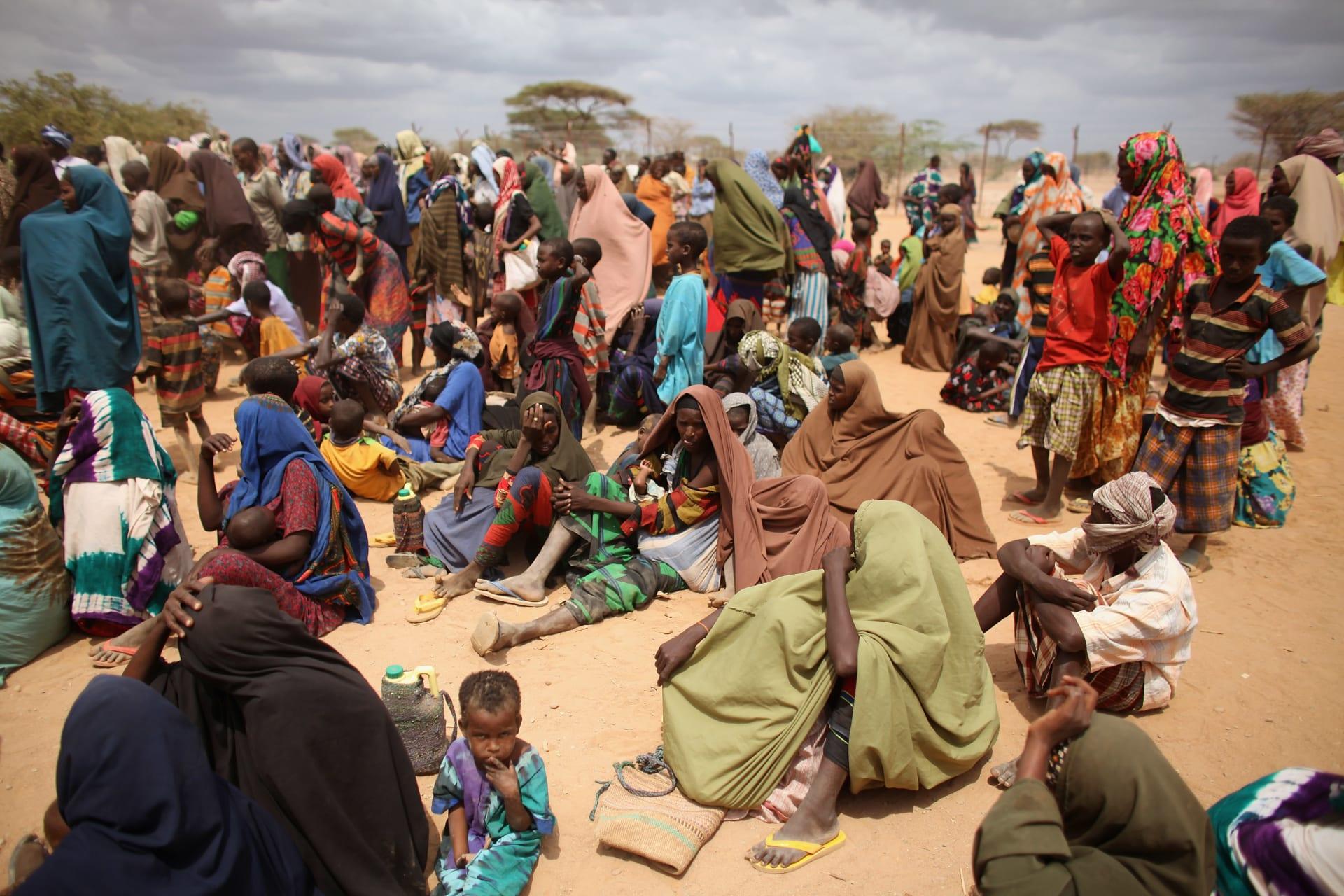 وسط ظروف معيشية قاسية.. وباء الكوليرا يُهدد أكبر مخيم للاجئين بالعالم