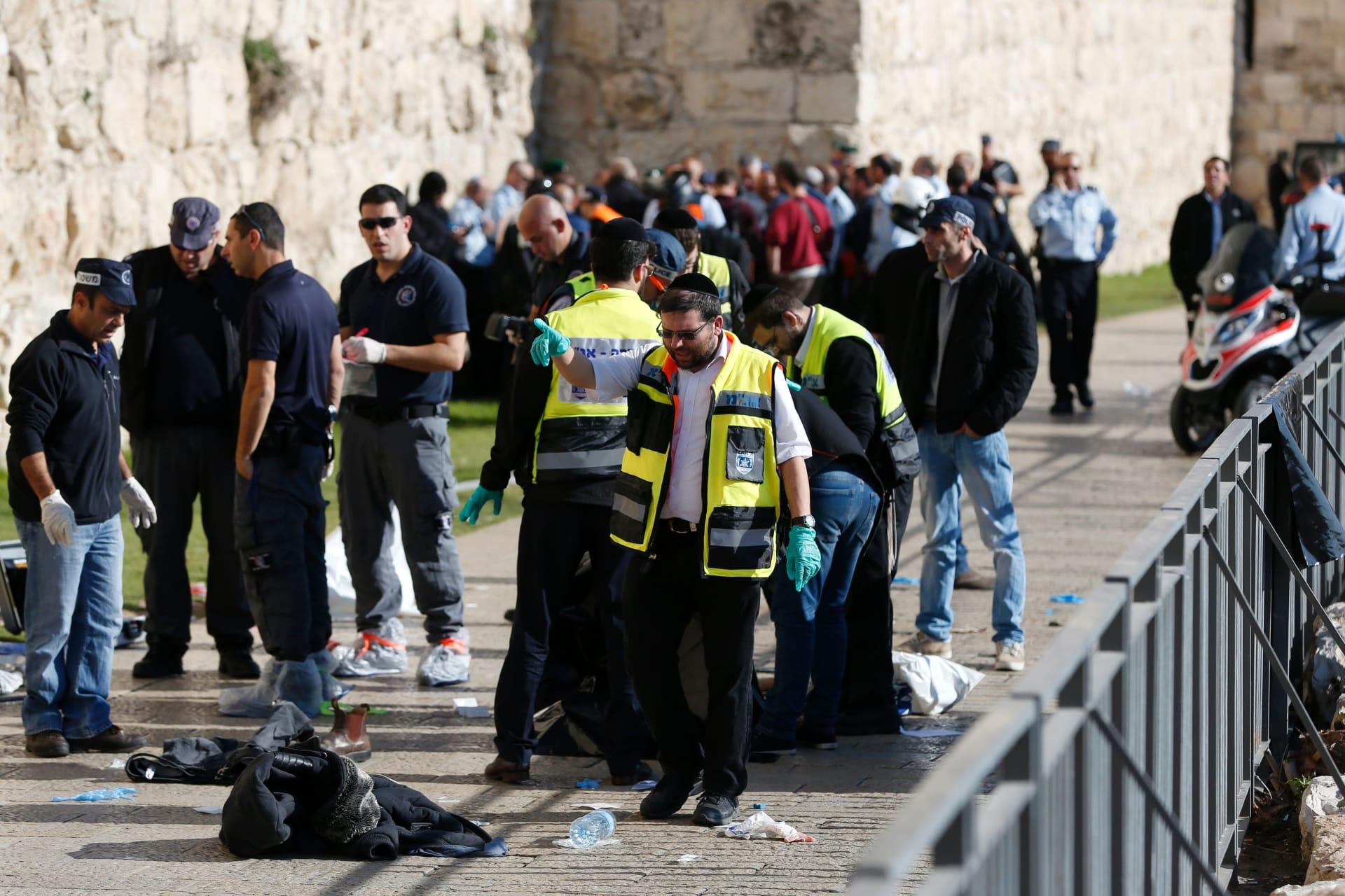 """مقتل إسرائيليين وفلسطينيين نتيجة """"هجوم طعن"""".. والكشف عن """"شبكة حمساوية"""" بالقدس"""