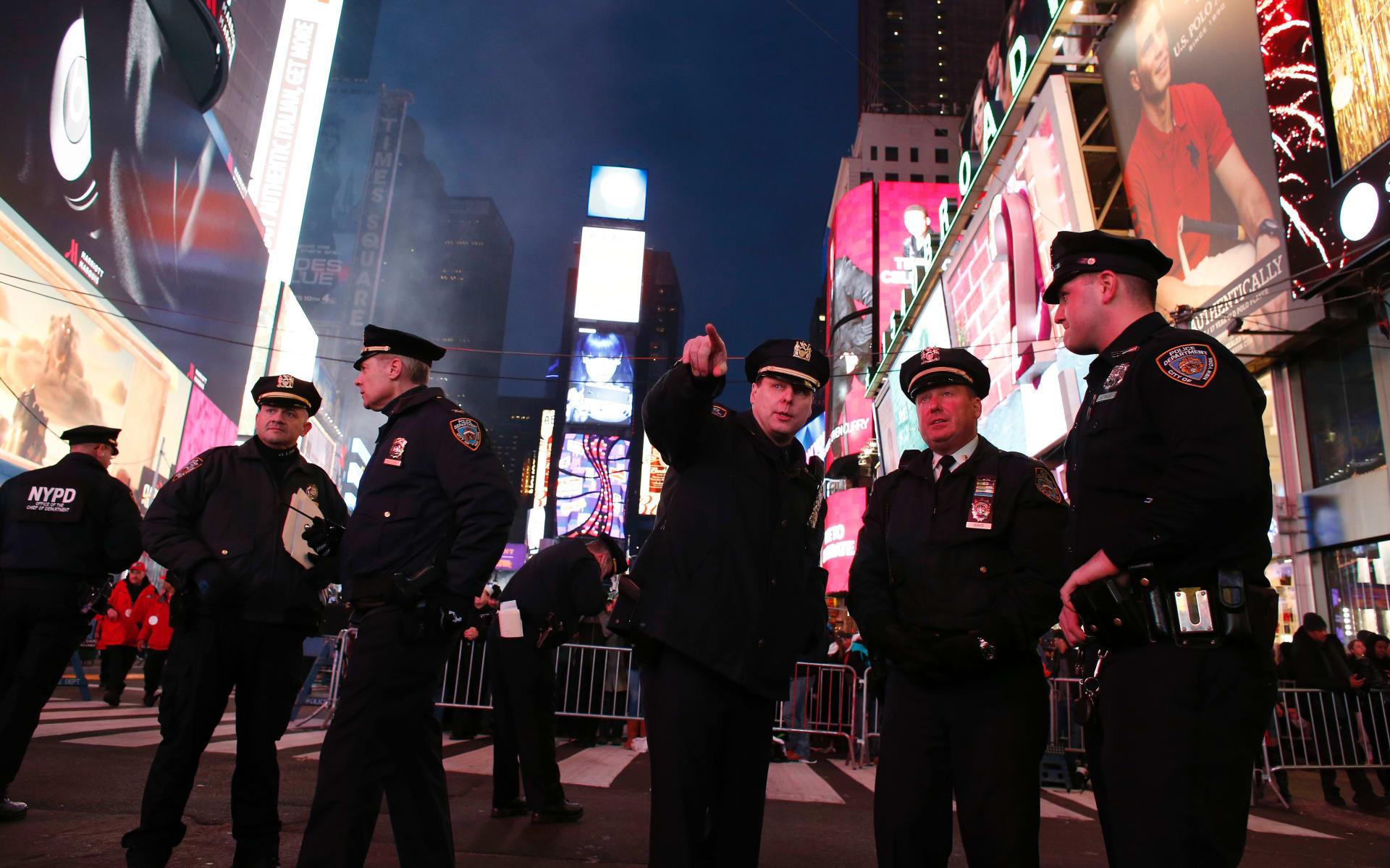 نيويورك.. إحباط محاولة باسم داعش لقتل المحتفلين برأس السنة الجديدة في حانة أمريكية