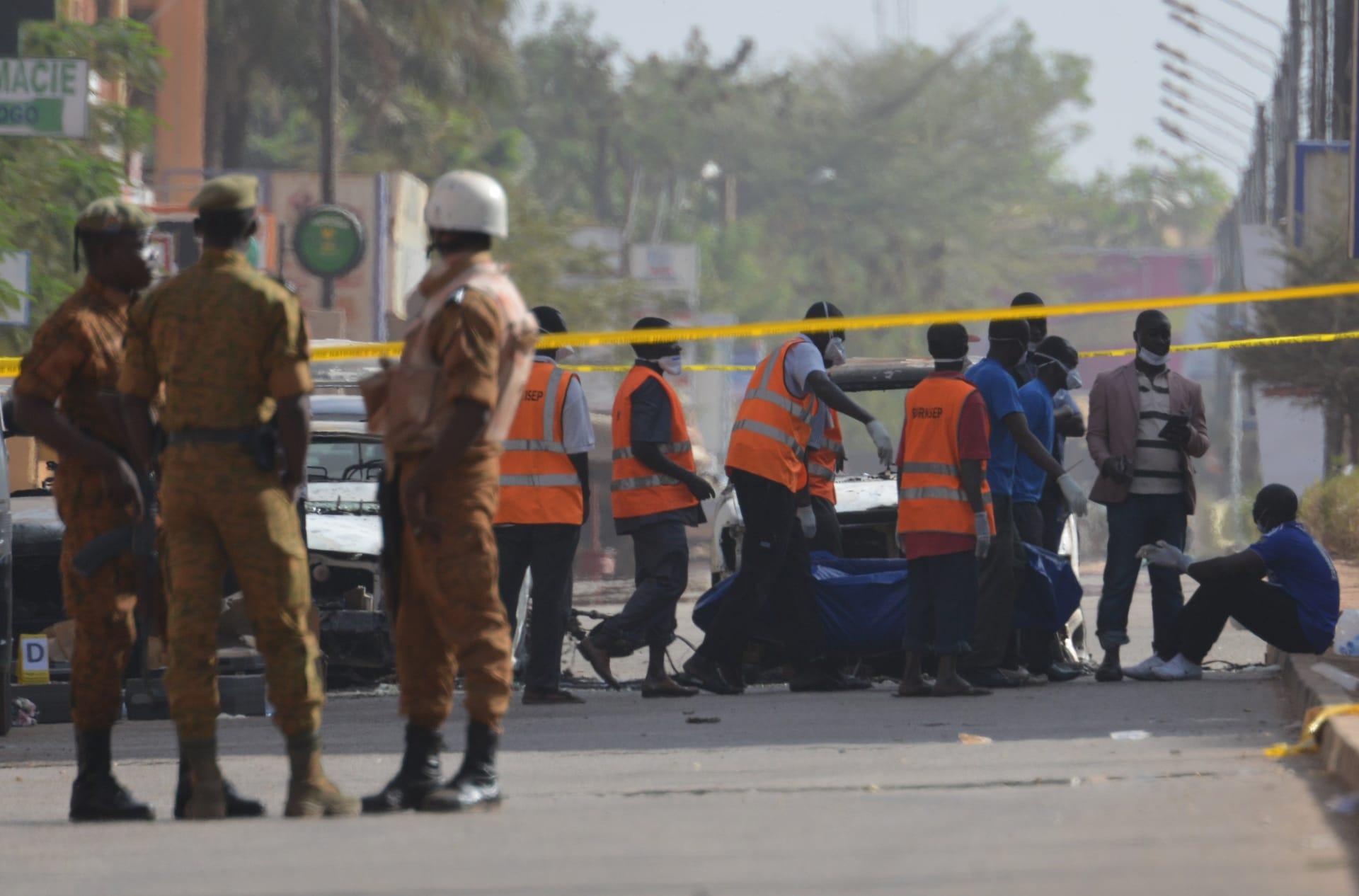 فرنسيون وسويسريون ضمن ضحايا هجوم القاعدة في بوركينا فاسو