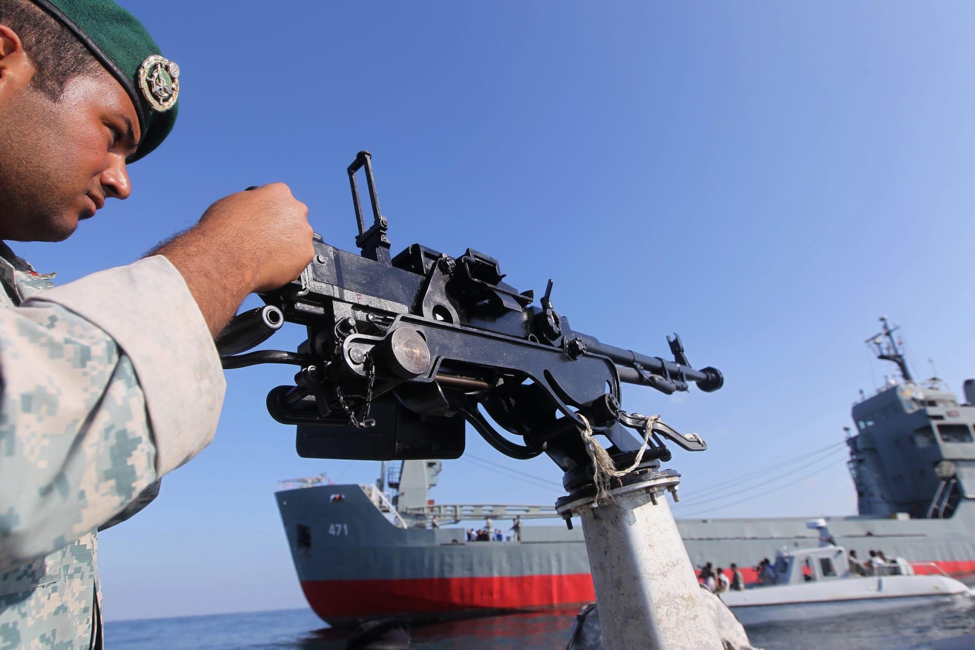 """البحرية الإيرانية: أمريكا """"العدوة"""" تتجسس على دفاعنا لأنها لا تصدق قدراتنا.. ولن نسمح لها بمعرفة تكتيكاتنا الحربية"""