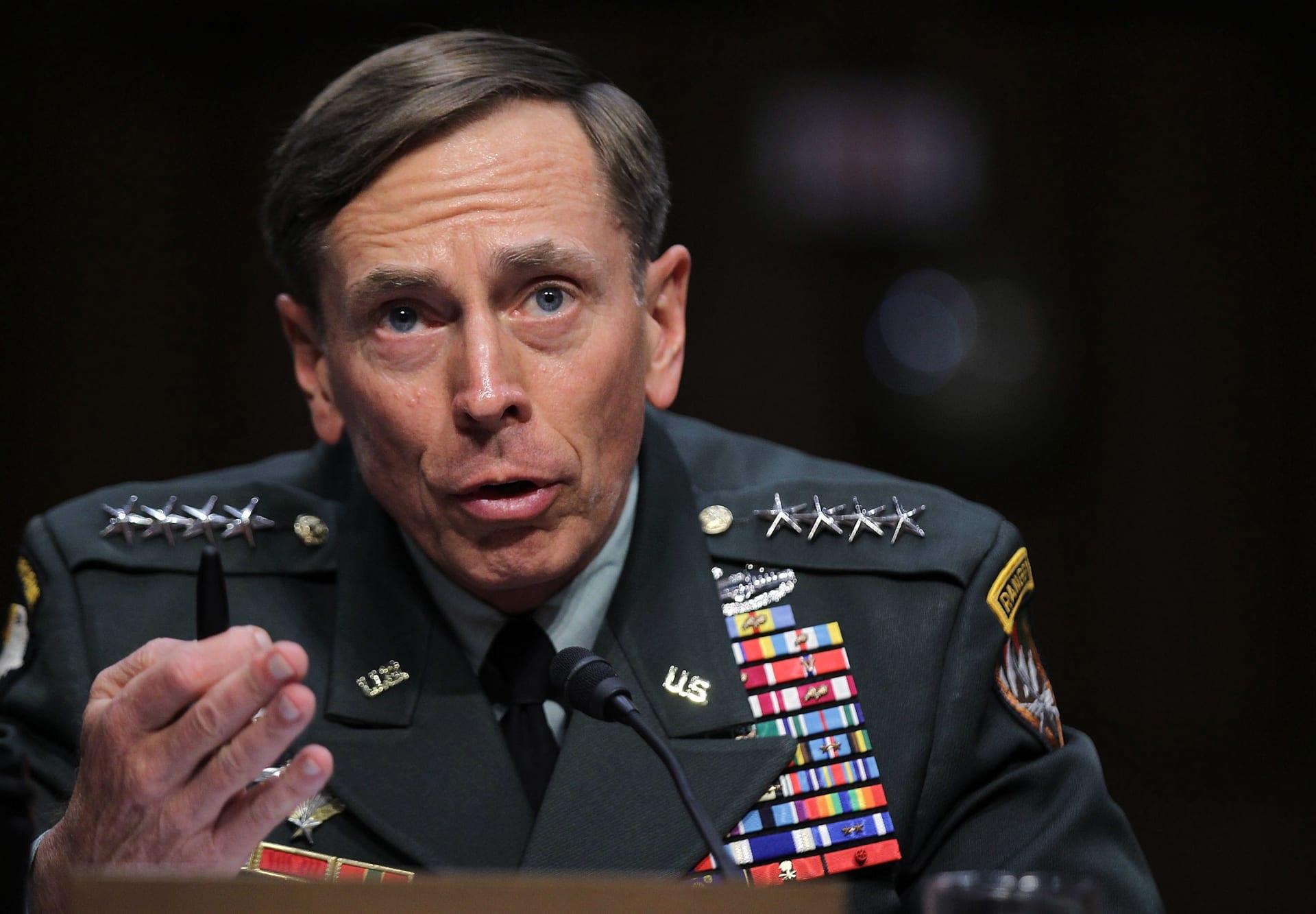 وزير الدفاع الأمريكي يقرر عدم اتخاذ أي إجراءات إضافية ضد الجنرال بتريوس بعد فضيحة جنسية