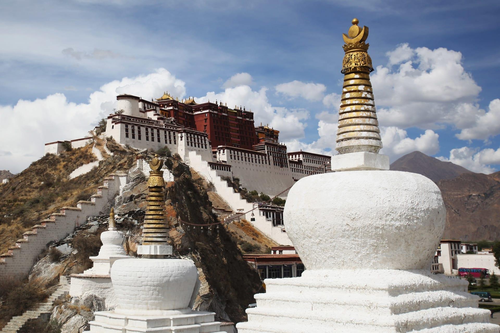 بعد إغلاق حدودها على الأجانب... ماهو سر ازدهار السياحة في التبت؟