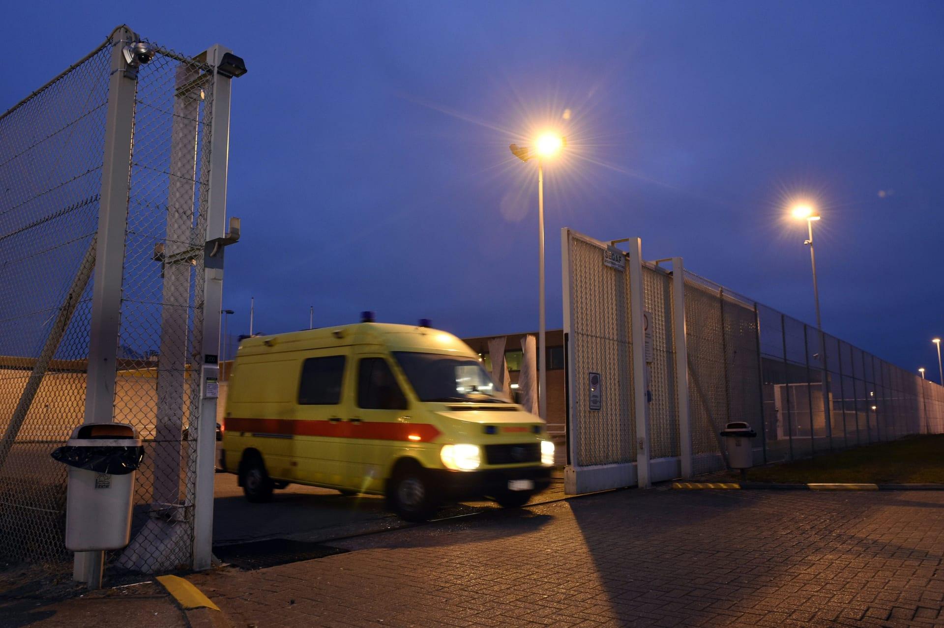 بعد 4 أشهر من ملاحقته.. صلاح عبدالسلام يصل إلى سجن شديد الحراسة في بلجيكا