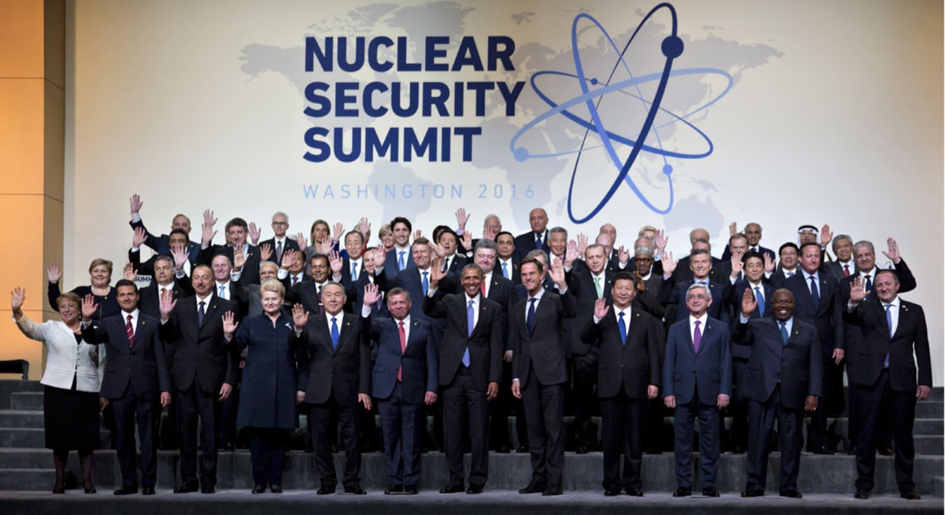 """أوباما يحذر من وصول """"داعش"""" والإرهابيين إلى الأسلحة النووية: مجانين سيقتلون أكبر عدد ممكن من الأبرياء"""