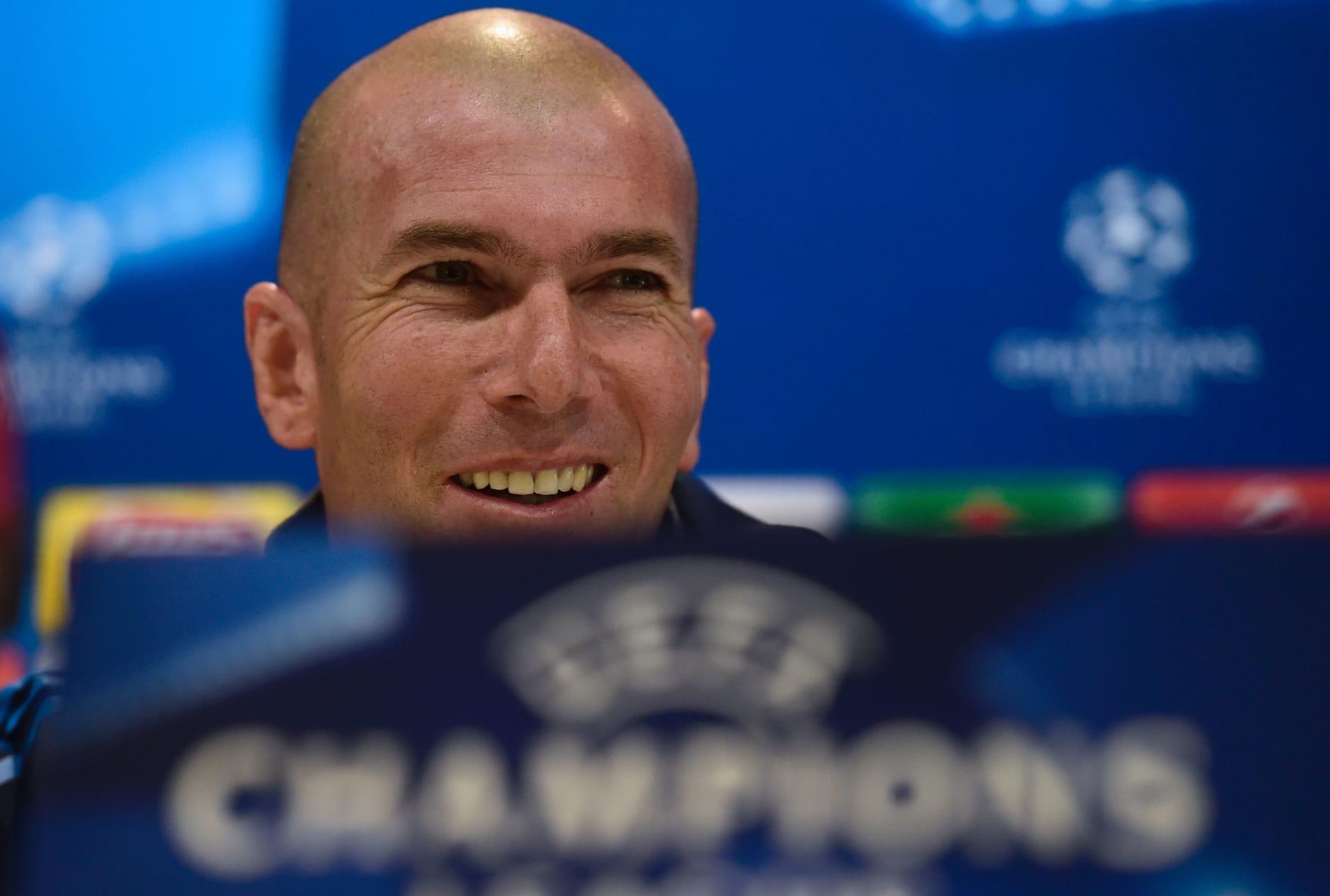 """زيدان يطالب لاعبيه بـ""""الصبر"""" قبل موقعة ريال مدريد وفولفسبورغ"""