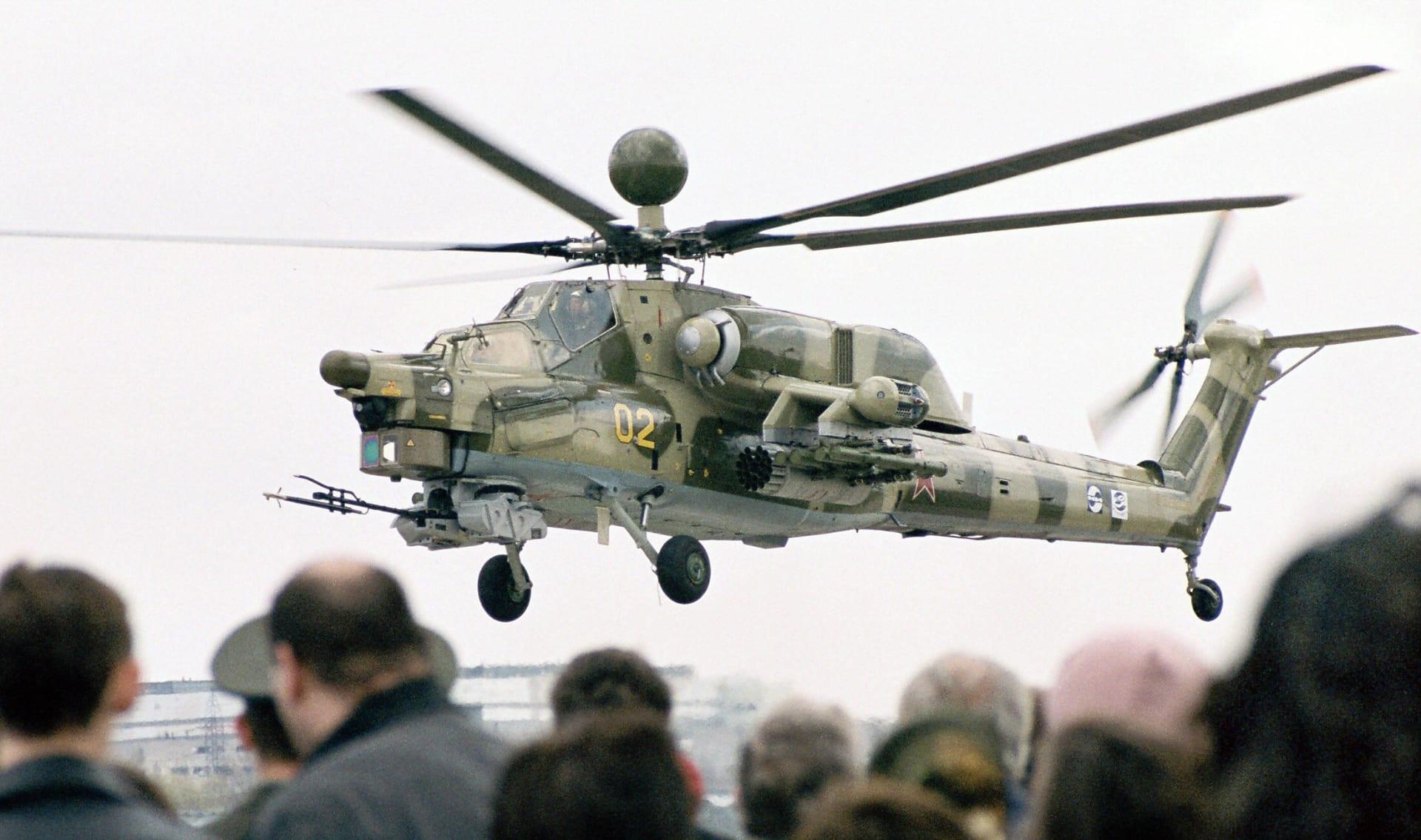 الدفاع الروسية: مقتل طيارين في تحطم مروحية روسية قرب حمص بسوريا