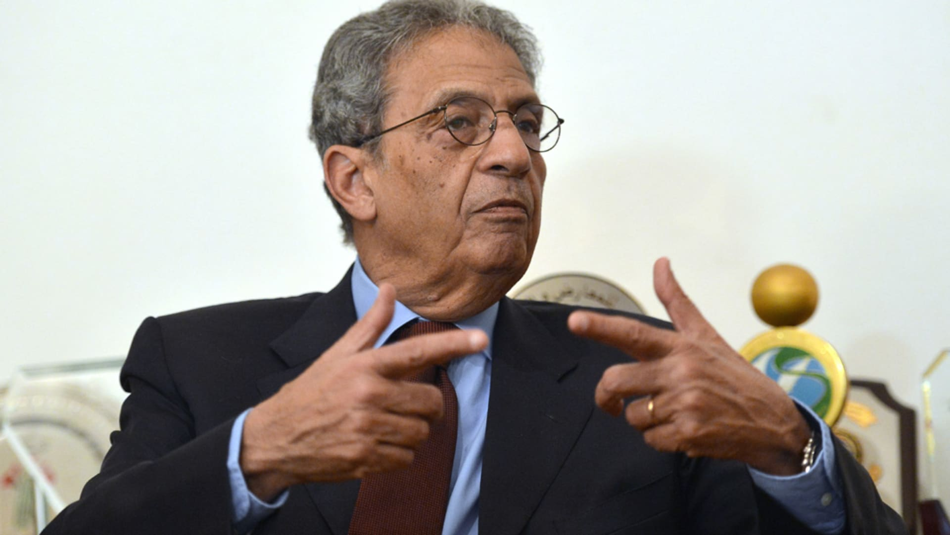 """عمرو موسى """"يتمنى"""" إحالة السيسي الاتفاق مع السعودية حول الجزر للبرلمان: بعضهم اعتقد أن القضية ستتوه بين الأحداث"""