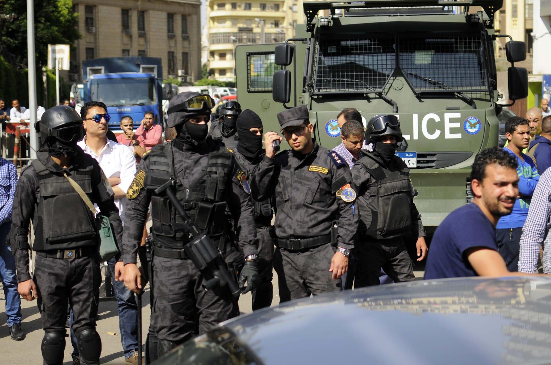 الداخلية المصرية: بدر والسقا قاما بتسليم أنفسهما طواعية ونؤكد عدم اقتحام النقابة أو استخدام القوة