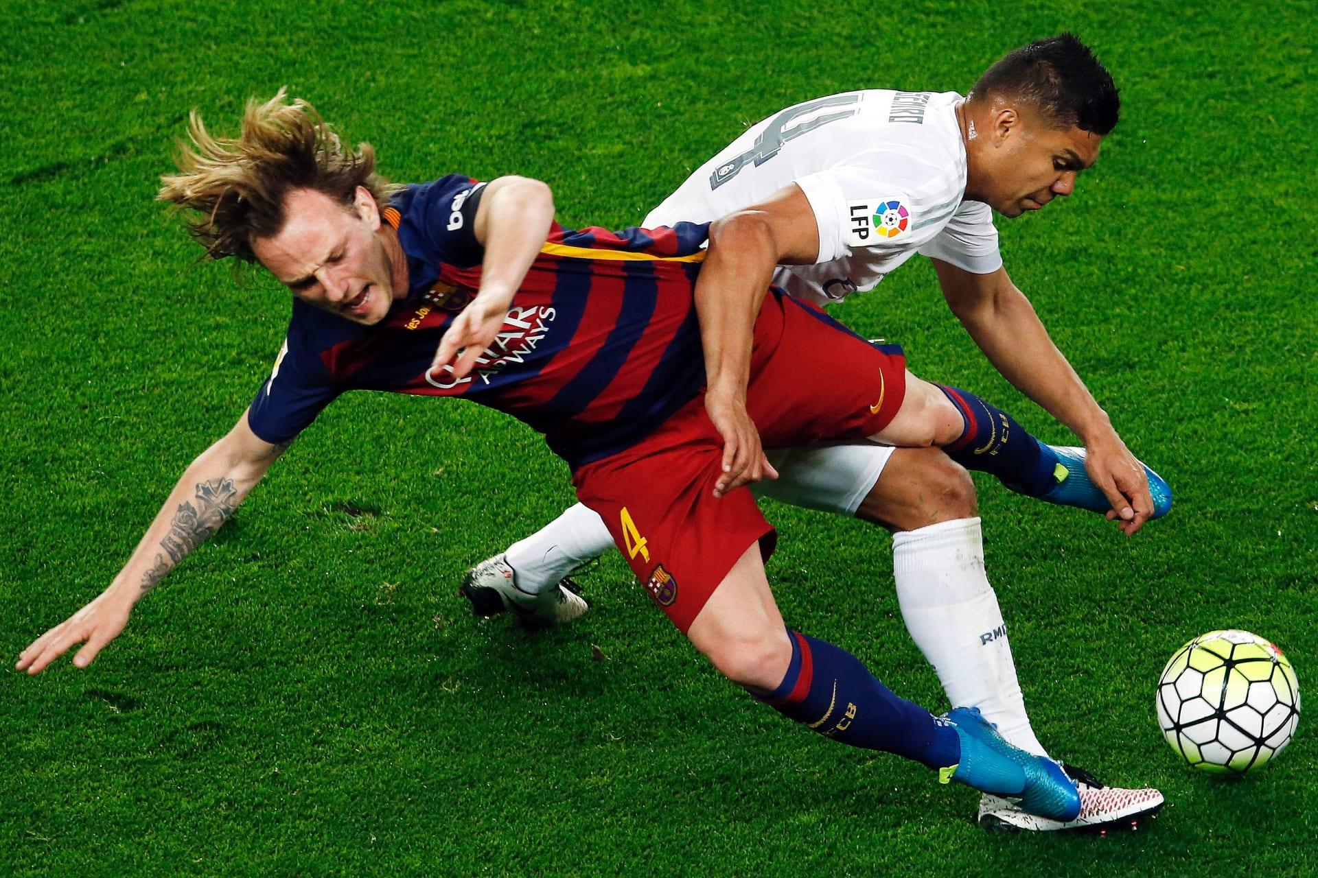 الليغا محتارة بين برشلونة وريال مدريد في الجولة الأخيرة