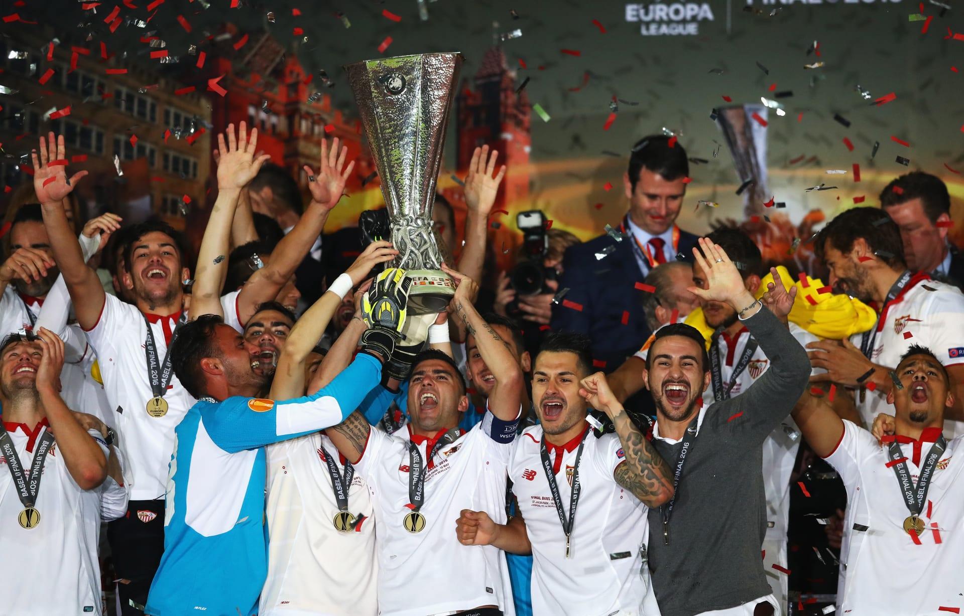 إشبيلية يتوج بلقب الدوري الأوروبي ويحقق رقما قياسيا