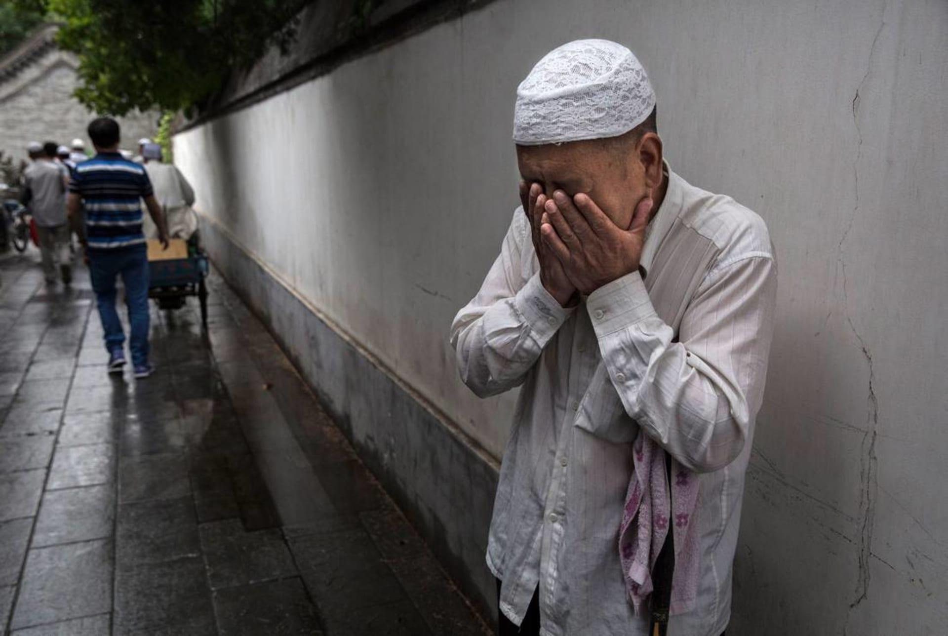 ناطق باسم الأويغور: السلطات الصينية تمنع مسلمين من الصوم وتلزم المطاعم بالعمل