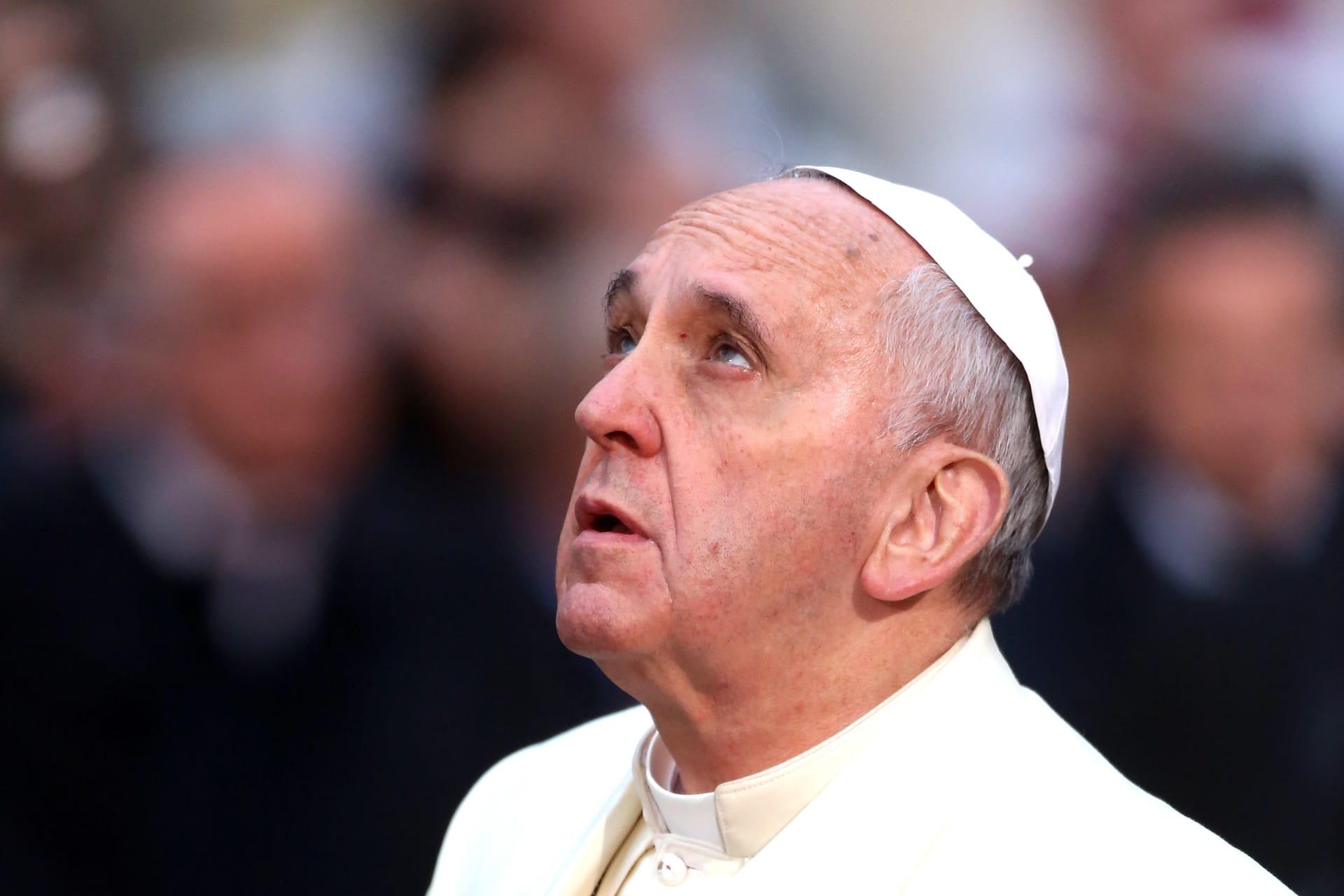 البابا فرانسيس: الكنيسة الكاثوليكية يجب أن تطلب المغفرة عن معاملتها للمثليين جنسيا