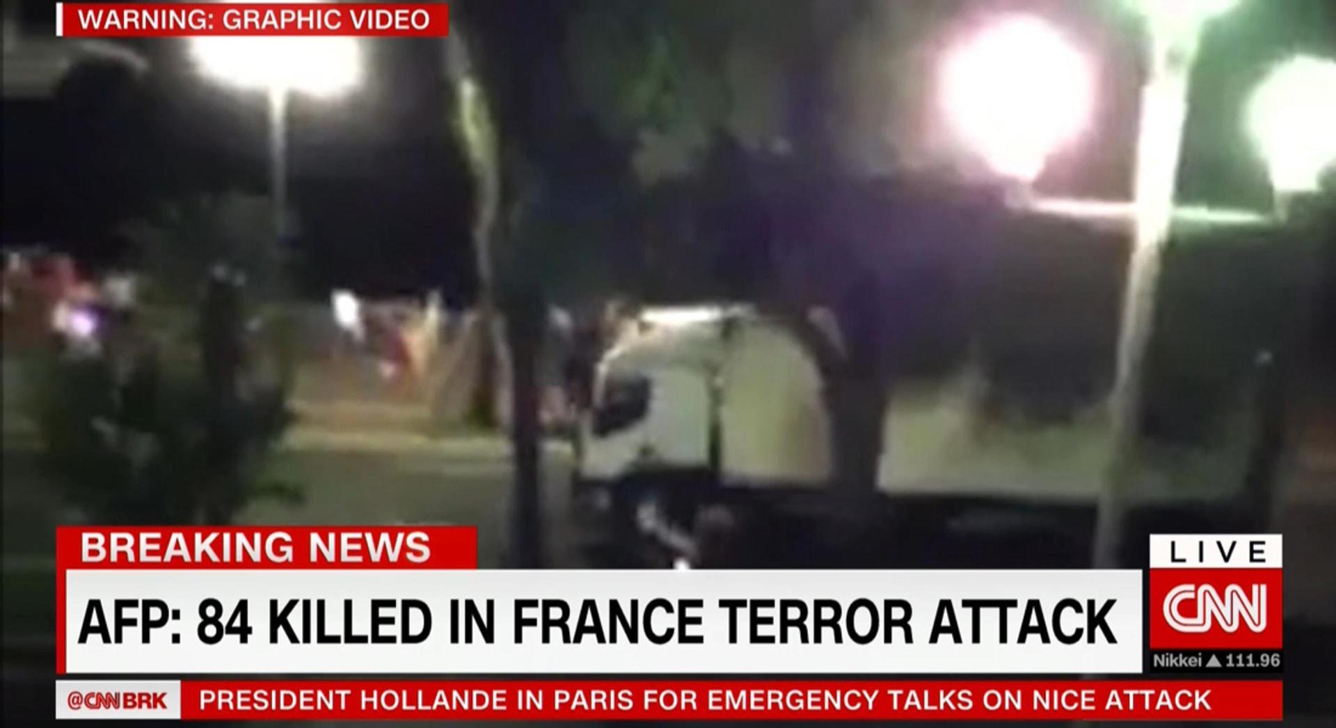 بيتر بيرغن لـCNN: استعمال الشاحنات بالهجمات الإرهابية ليس جديدا ومستخدم بالقاعدة وداعش