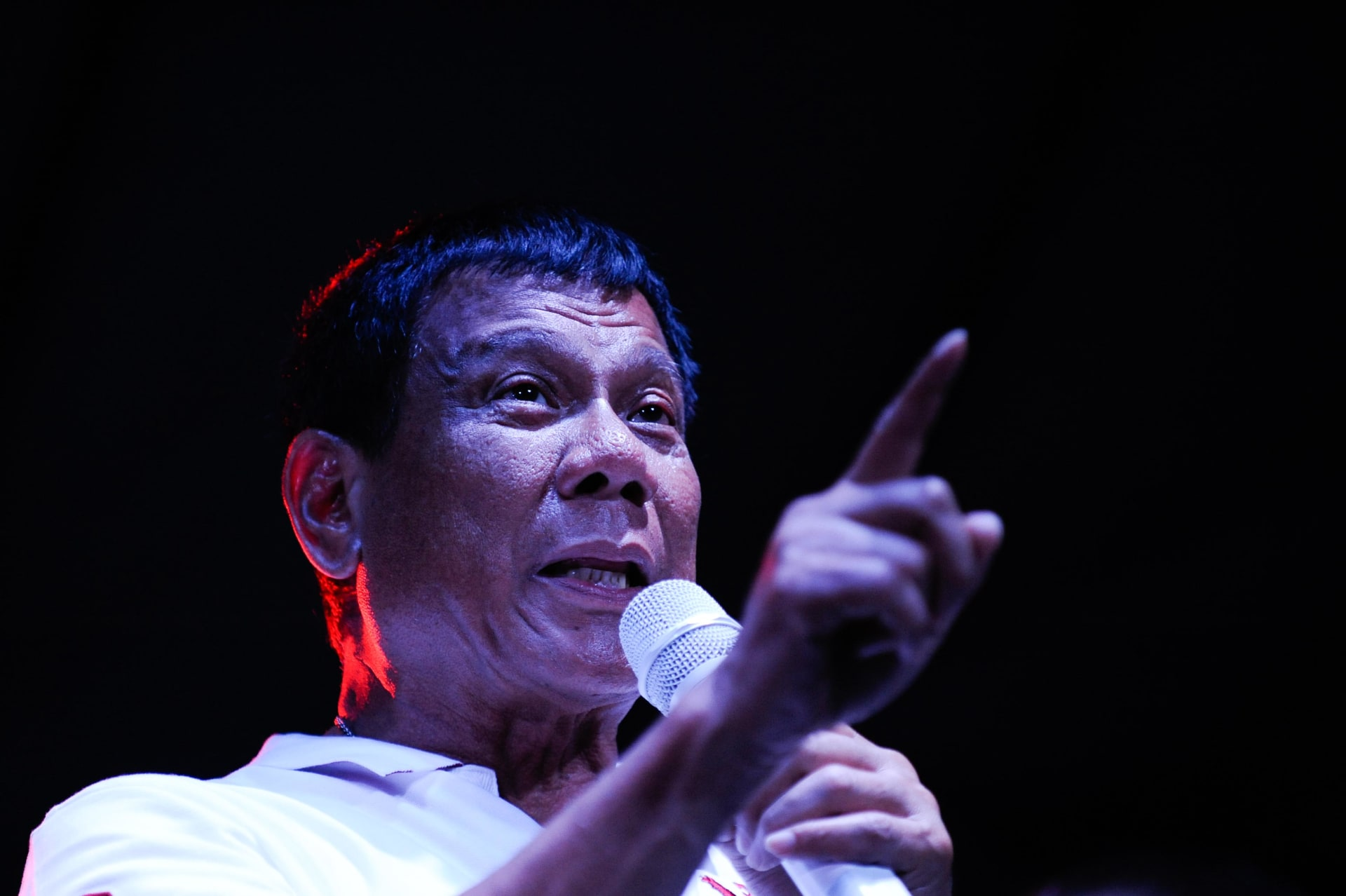 """بعد ظهور مزاعم بترأسه """"فرقة دافاو القاتلة"""".. رئيس الفلبين عن تجار المخدرات: لا يمكنني قتلهم جميعا"""