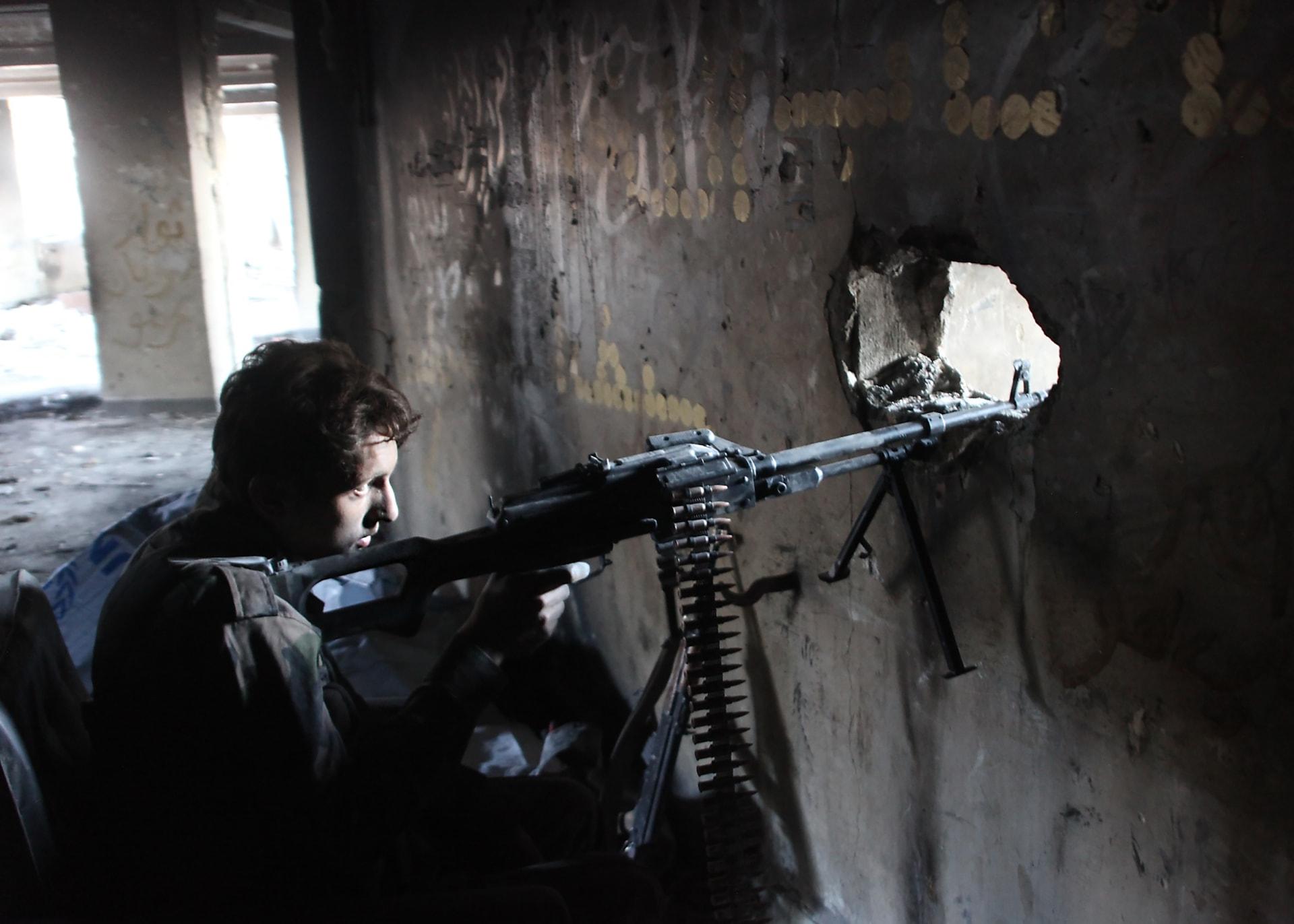 جيش الأسد يسيطر على مناطق للمعارضة في حلب.. والمرصد: أول تقدم للنظام في تلك المناطق منذ 3 سنوات