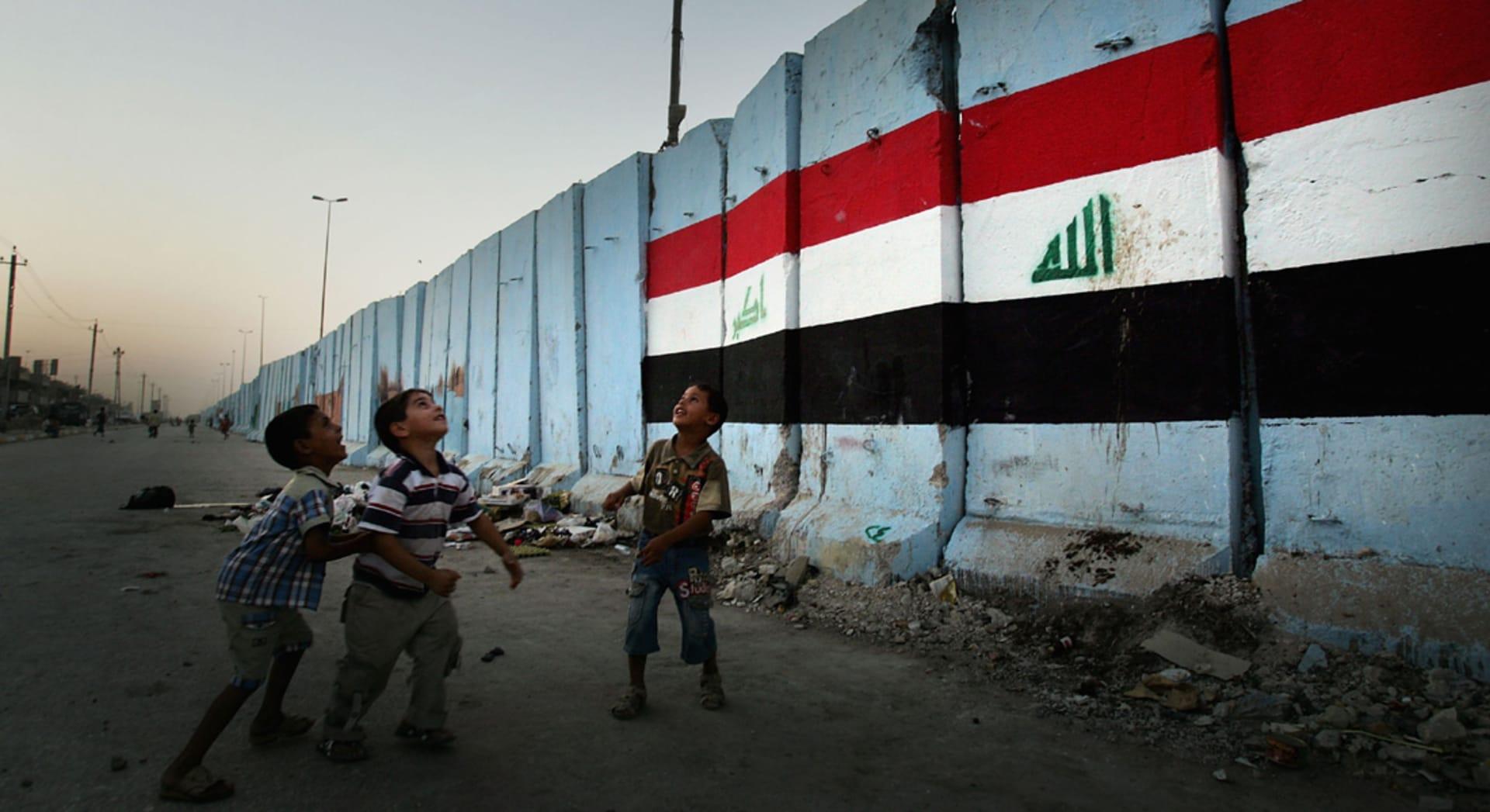أطفال نازحون بمخيم ديبكة بالعراق يروون معاناتهم