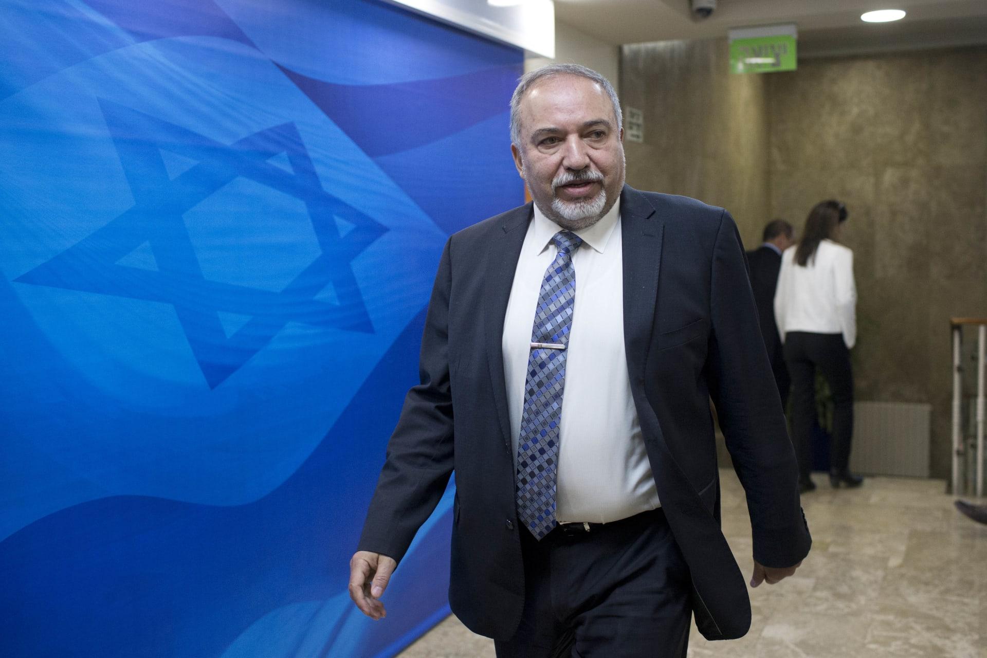 وزير دفاع إسرائيل: طهران تريد تقويض السعودية.. ولأول مرة تدرك الدول السنية أن أكبر تهديد أمني لها هو إيران وليس إسرائيل