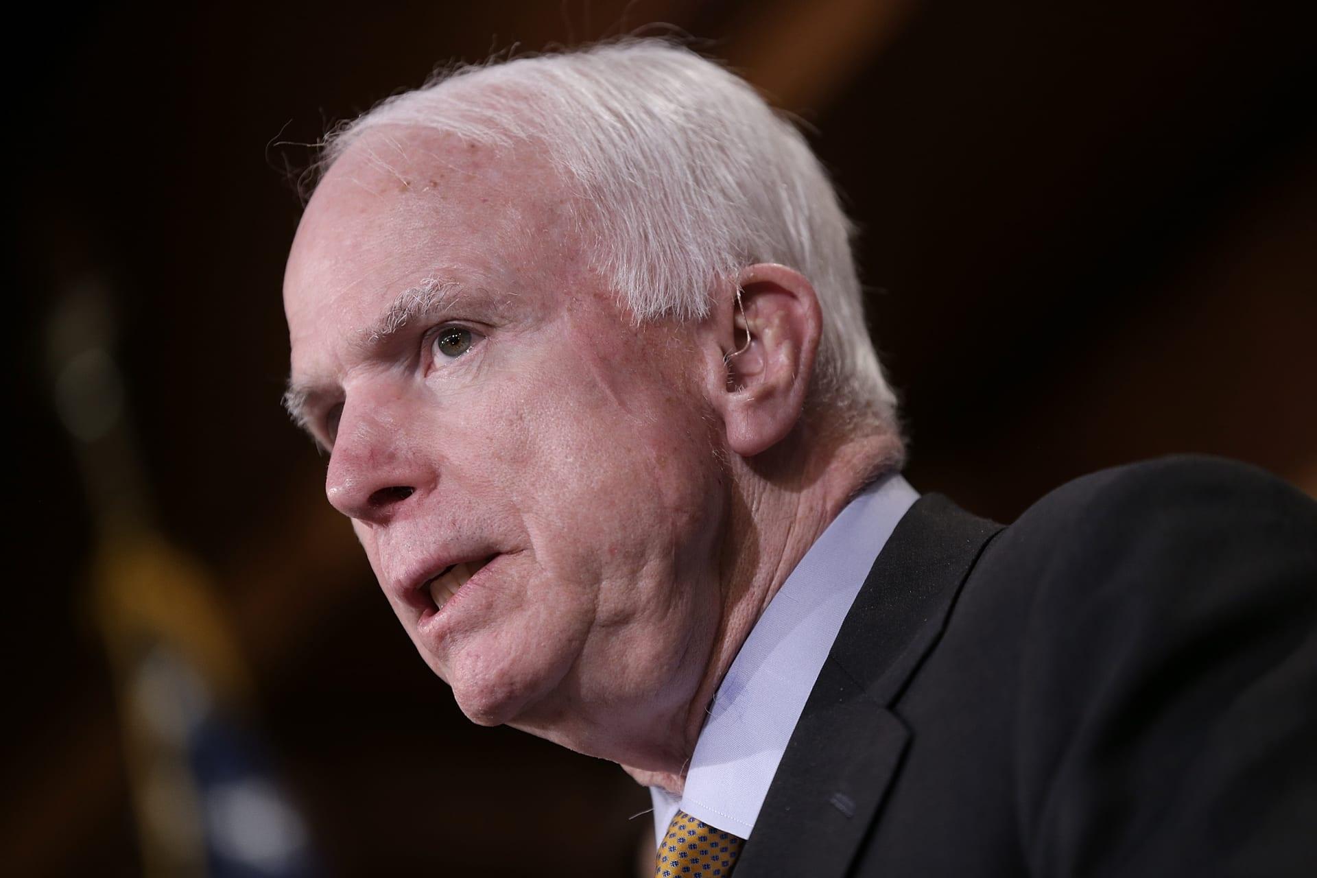 السيناتور الجمهوري ماكين قام بزيارة سرية إلى سوريا.. ماذا فعل خلالها؟