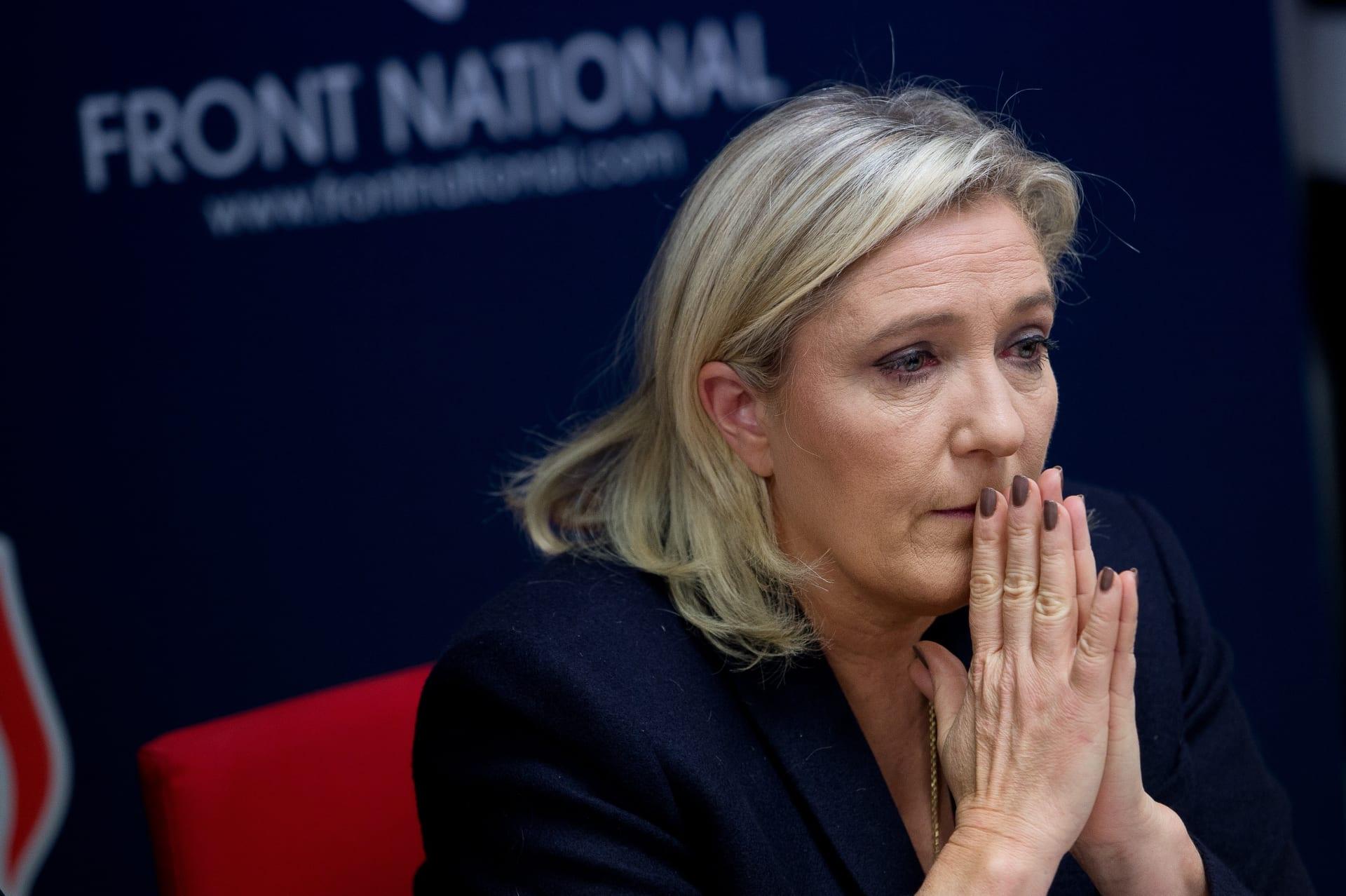 مرشحة الرئاسة الفرنسية مارين لوبان تفقد الحصانة لنشرها صوراً عنيفة لداعش على تويتر