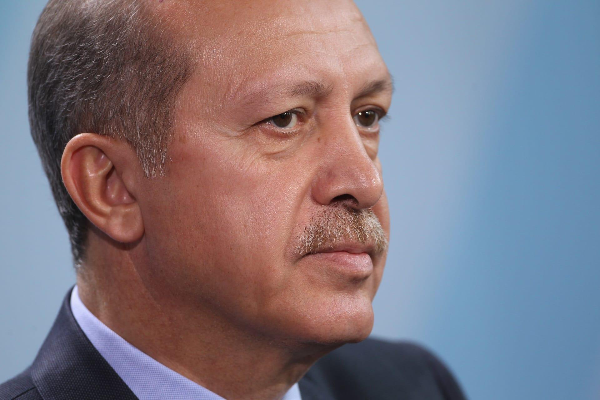 لافتات تدعو لقتل أردوغان بمظاهرة في بيرن.. وتركيا تستدعي نائب السفير السويسري