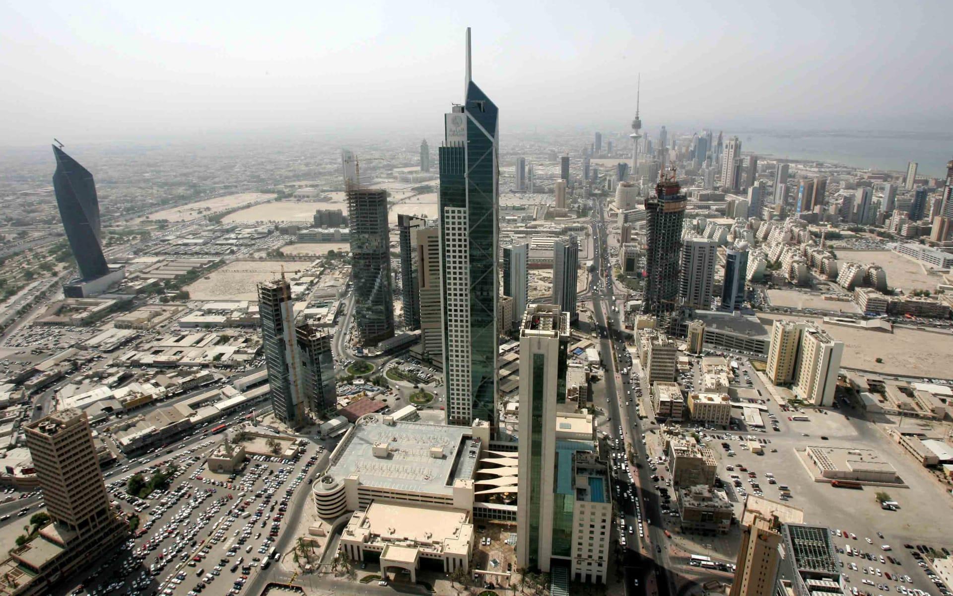 هل تبحث عن عمل في الكويت؟ إليك 8 أمور عليك معرفتها في 2017
