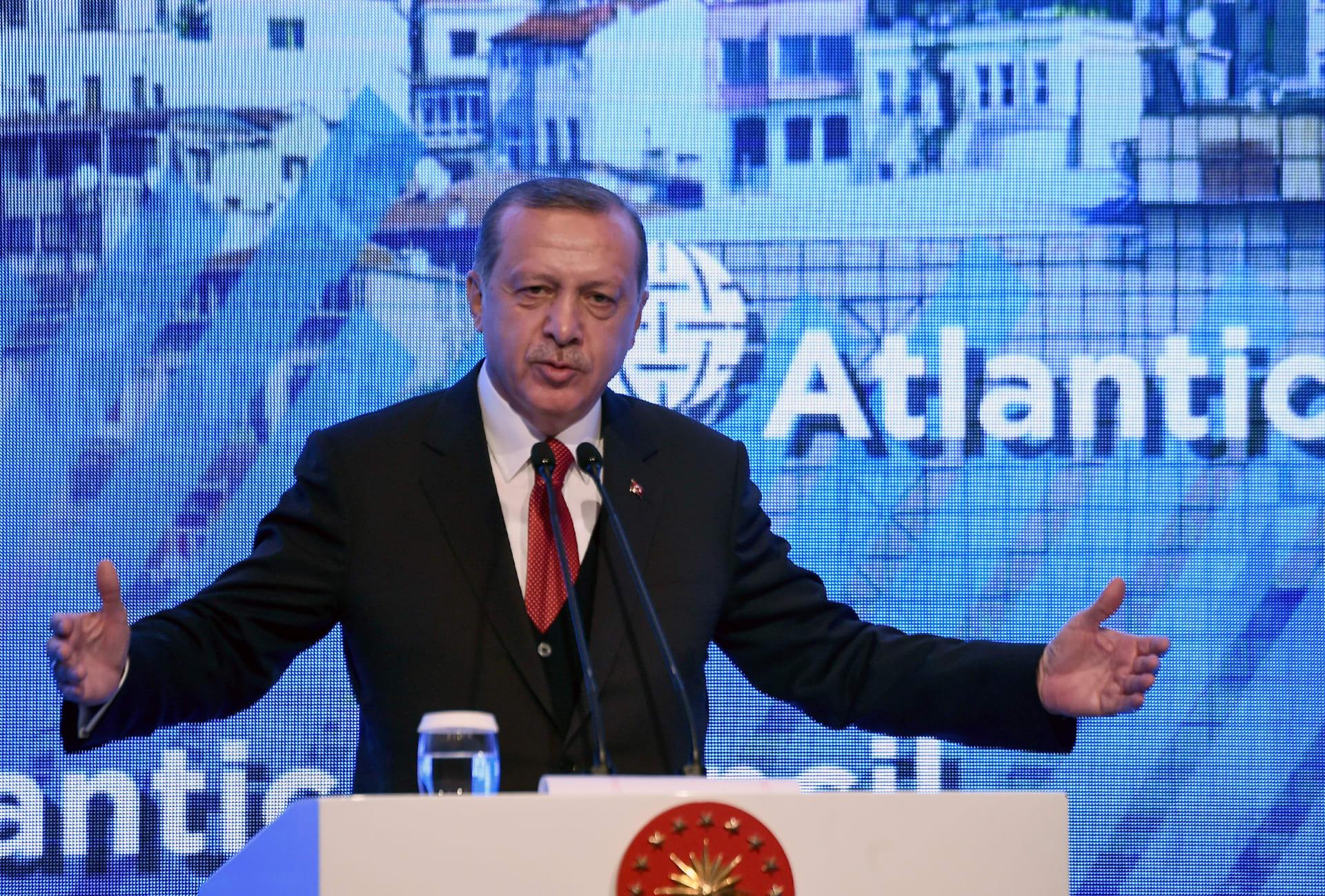 أردوغان: نريد زيادة حجم التجارة بين تركيا وأمريكا.. والعلاقات بين الدولتين ستتحسن في ظل ترامب