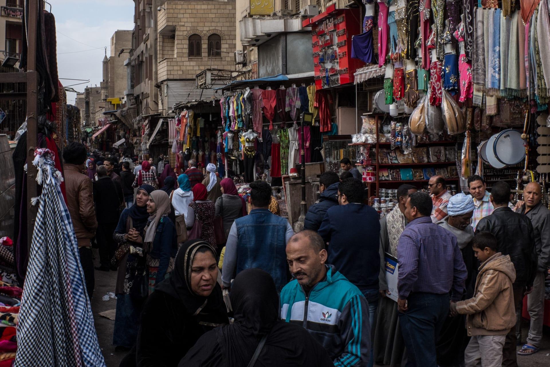في ظل ارتفاع الأسعار.. ما رأي سكان مصر برواتبهم الحالية؟