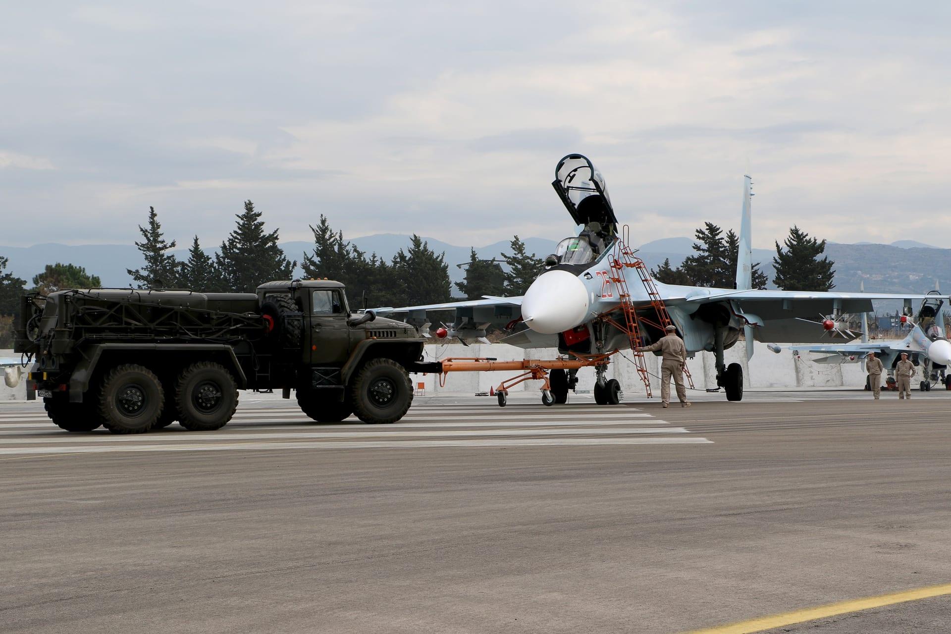وزارة الدفاع الروسية: قواتنا الجوية دمرت قافلة لداعش وقتلت أكثر من 200 مسلح