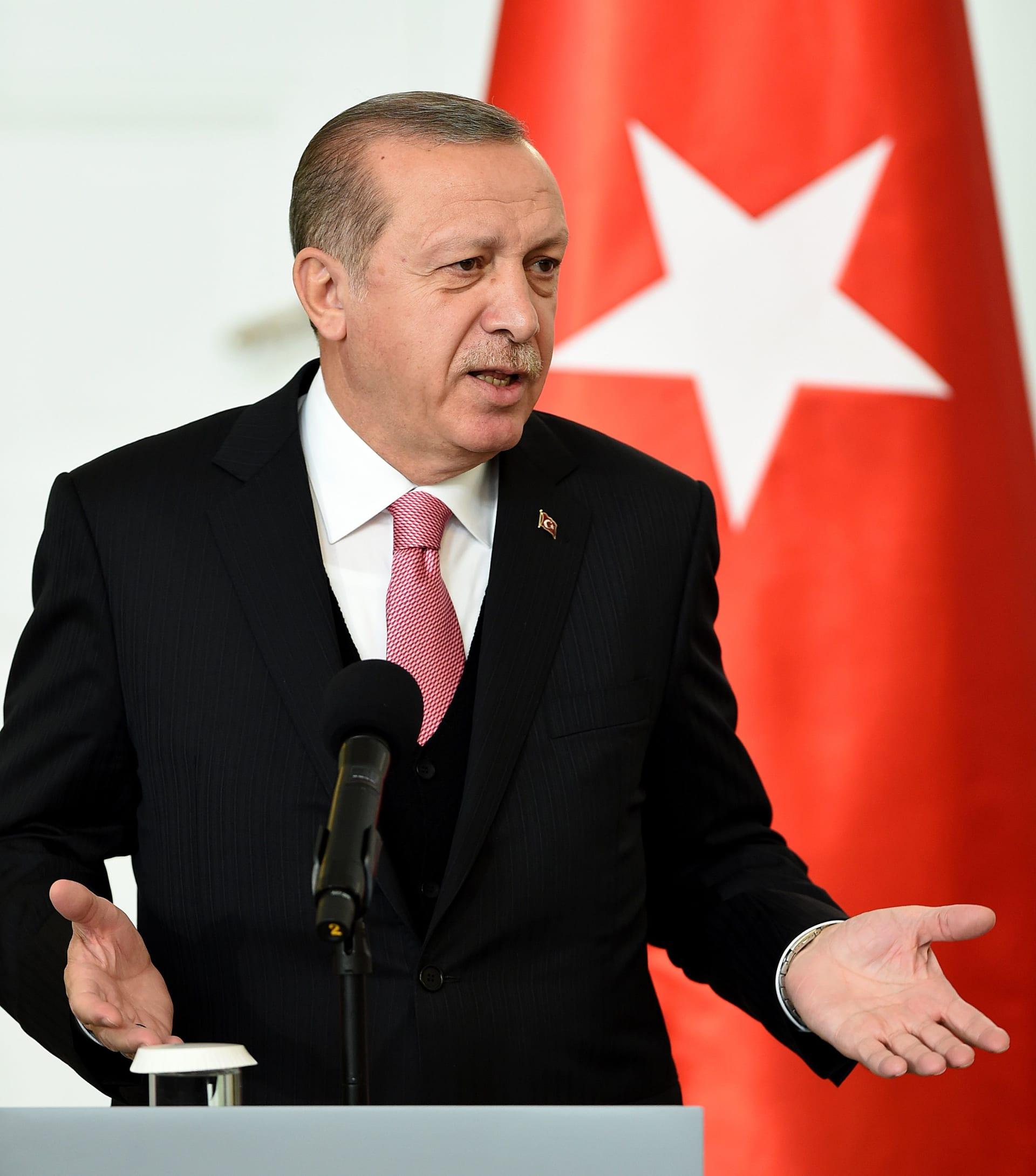 أردوغان مهاجما بارزاني: من أين لك الحق بكركوك؟.. نحن أحفاد الفاتح
