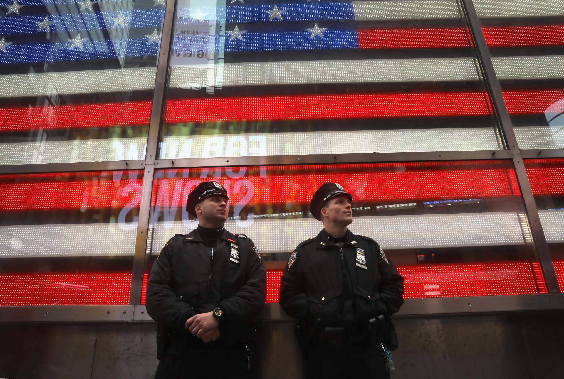 أمريكا: ضربة صاعقة لتُجار الجنس تحرر 82 قاصرة بينهم رضيعة