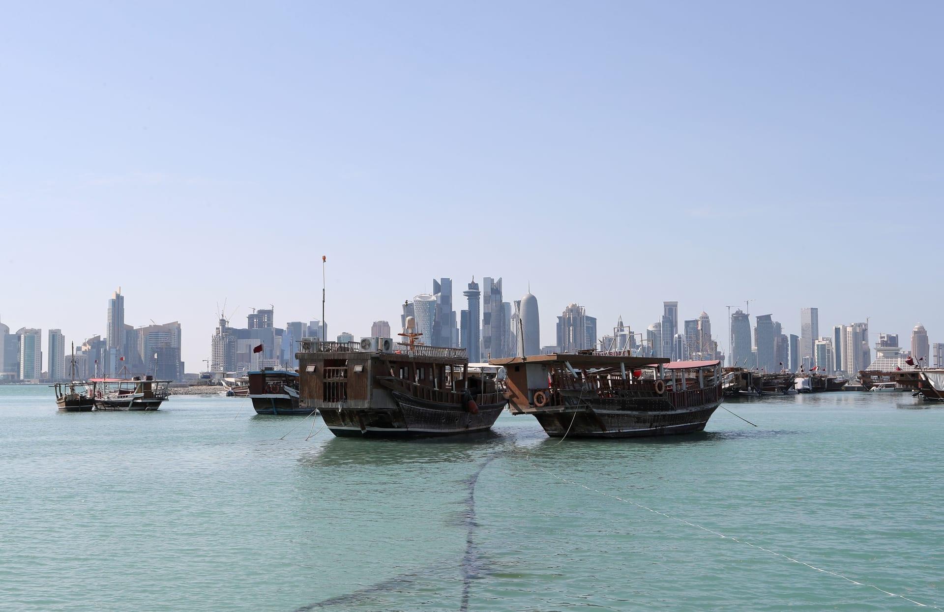 البحرين تدعو مواطنيها بقطر لاستخدام الجوازات وتشير لحقوق بالبر الشمالي