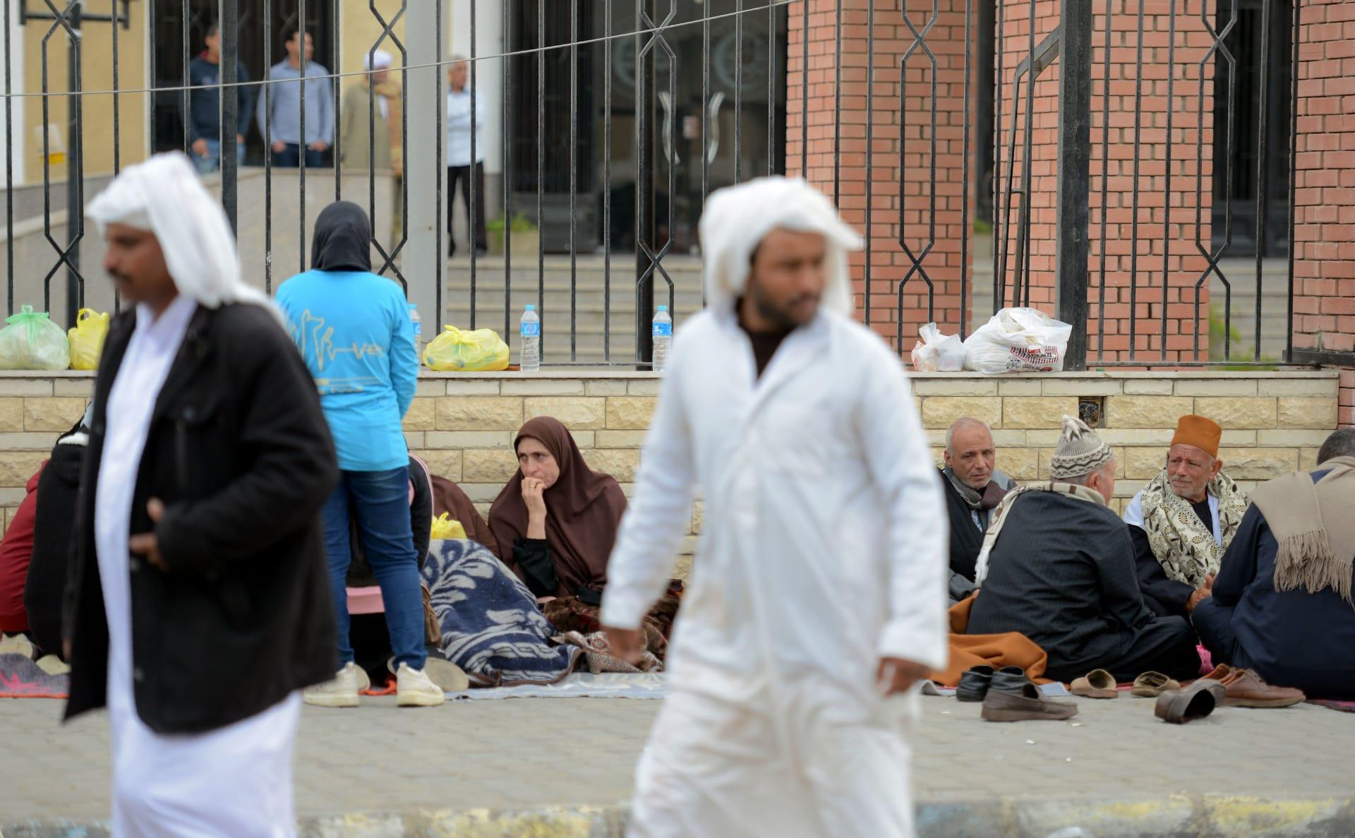 ناجون من مجزرة الروضة: نمنا تحت الجثث ولم يتمكن أحد من ترك المسجد