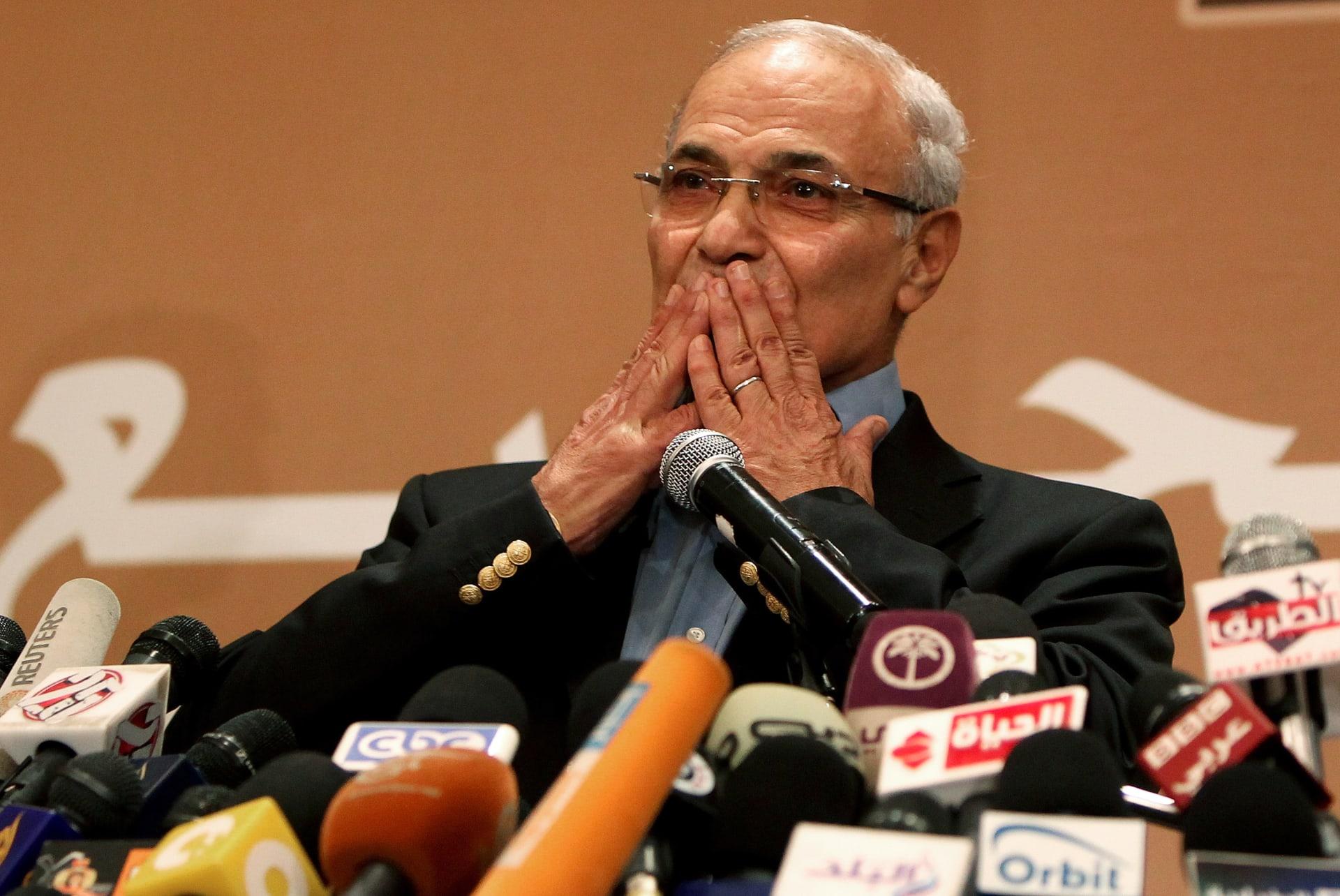 أحمد شفيق: أسعى بكل جدية إلى دعم واستقرار الأوضاع في مصر
