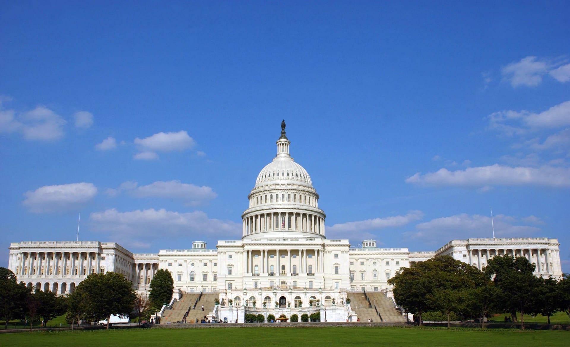 مجلس الشيوخ الأمريكي يوافق على أكبر تعديل ضريبي منذ 30 عاماً