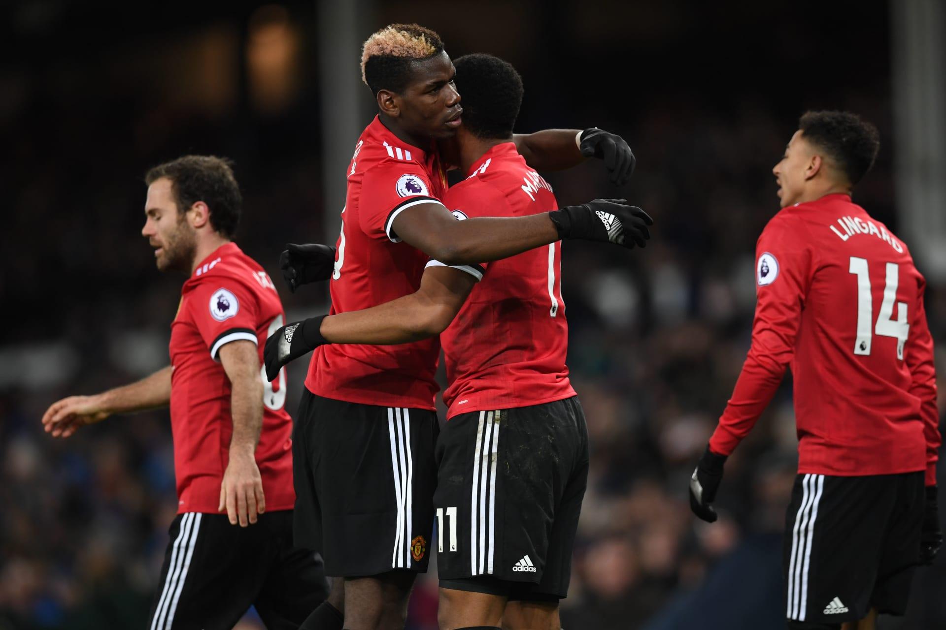 بعد ثلاثة تعادلات.. مانشستر يونايتد يستعيد نغمة الانتصارات بفوزه على إيفرتون