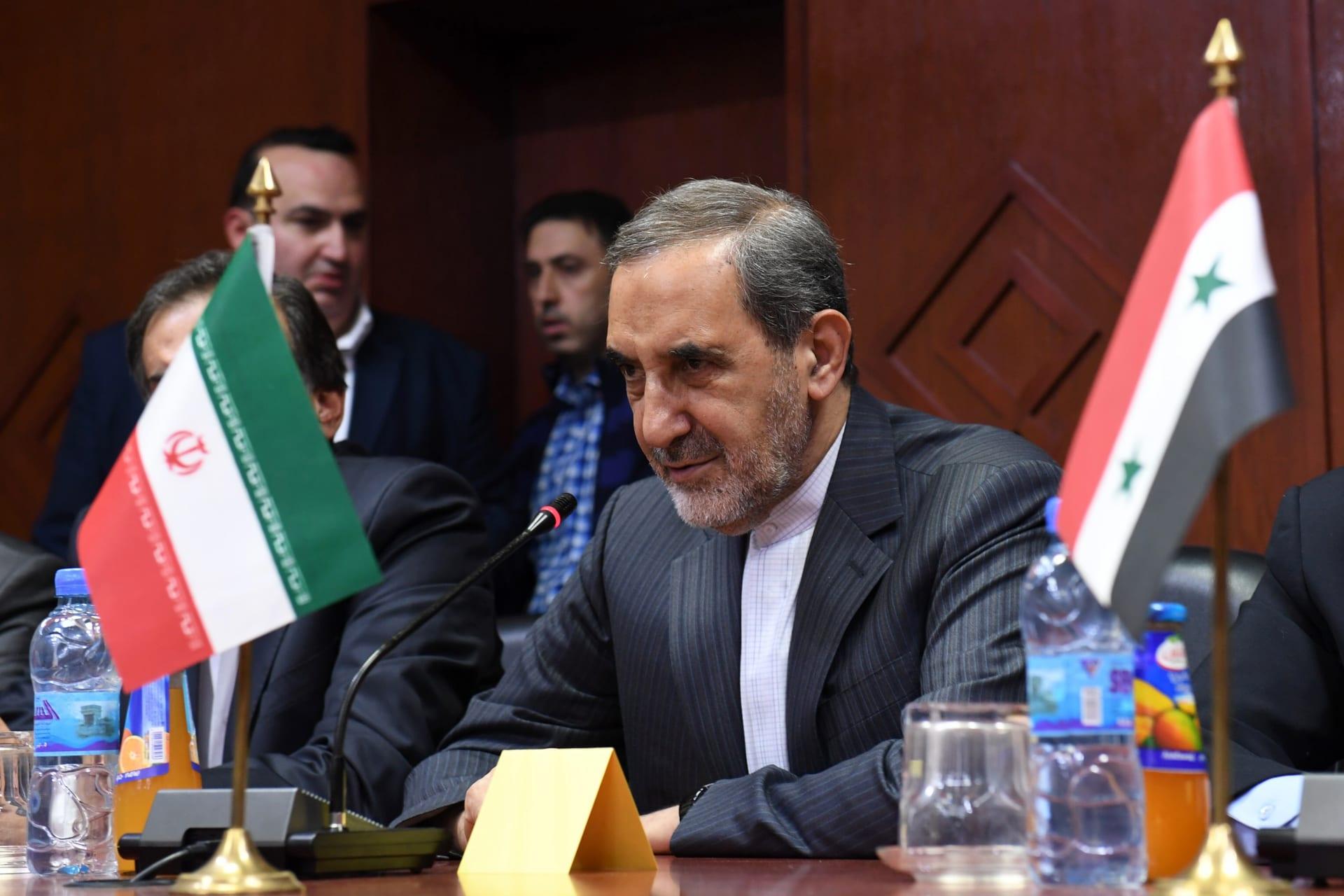 ولايتي عن الاحتجاجات: من ألطاف الله.. ونفوذ إيران سيتوسع