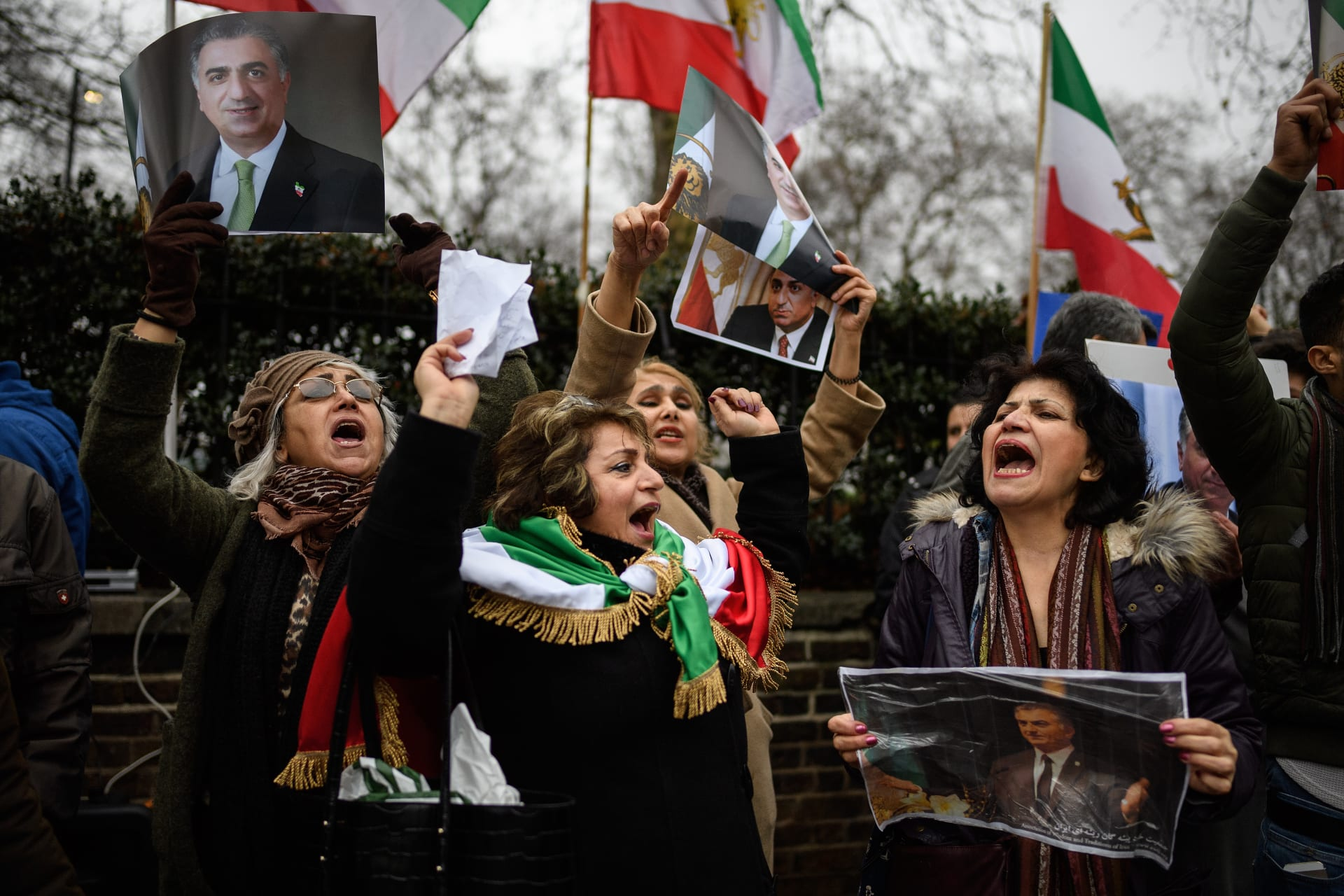 مراسل بإيران: المحتجون لا يعرفون السياسة.. ولا يريدون إلا وظائف