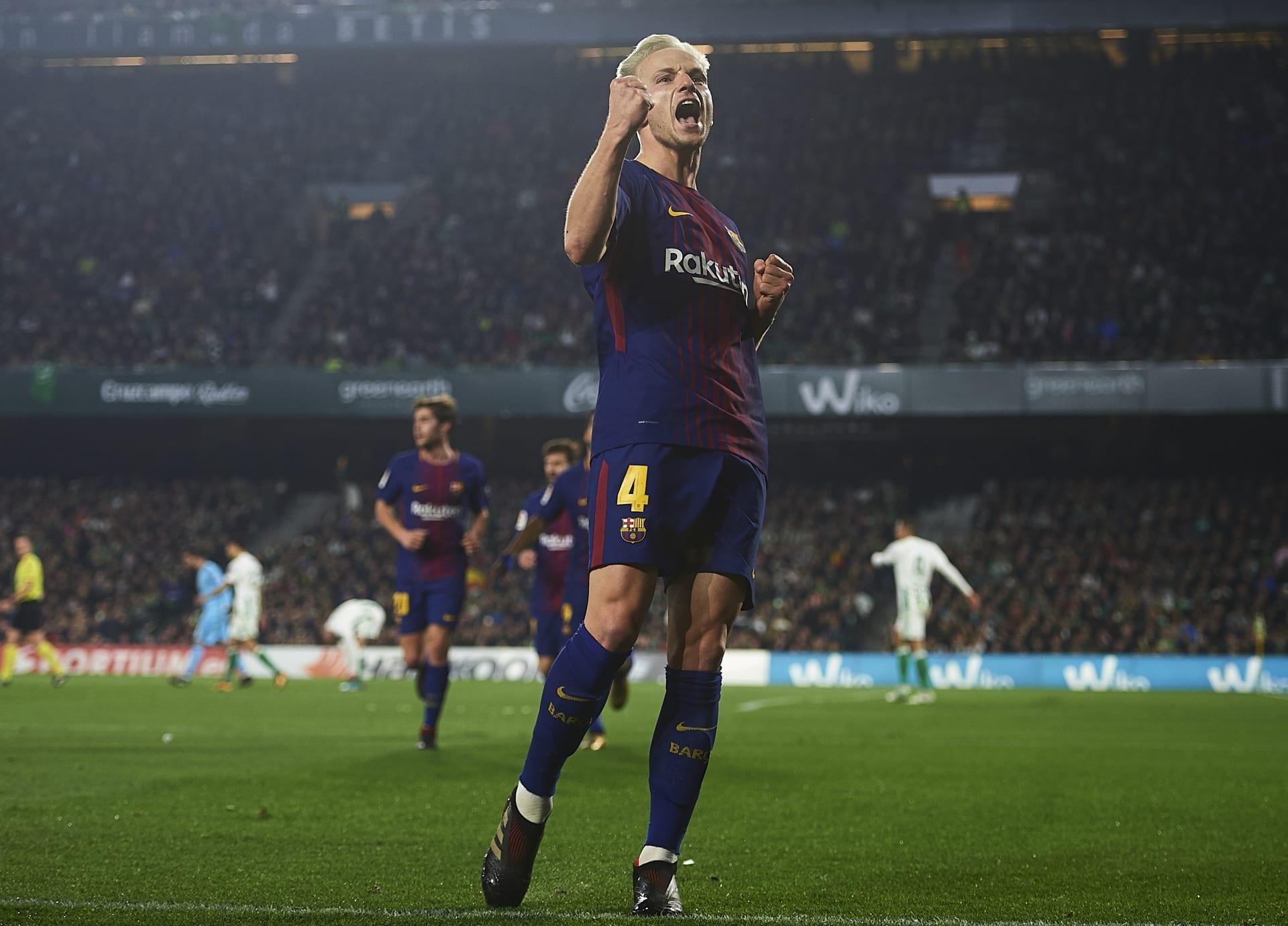 برشلونة يكتسح بيتيس ويحلق بعيدا في صدارة الدوري