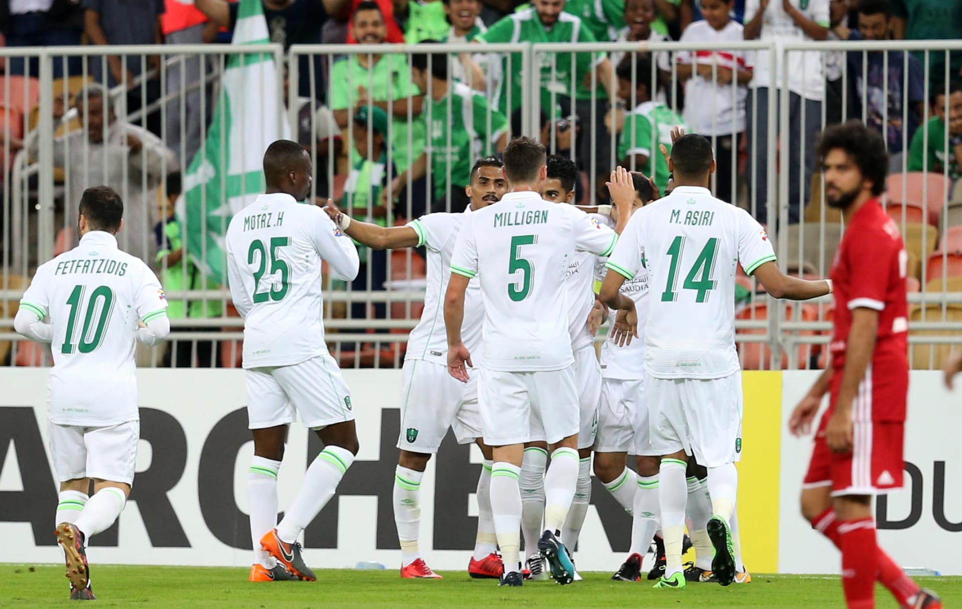 الأهلي السعودي يتعادل مع الغرافة القطري ويعزز زعامته للمجموعة الأولى