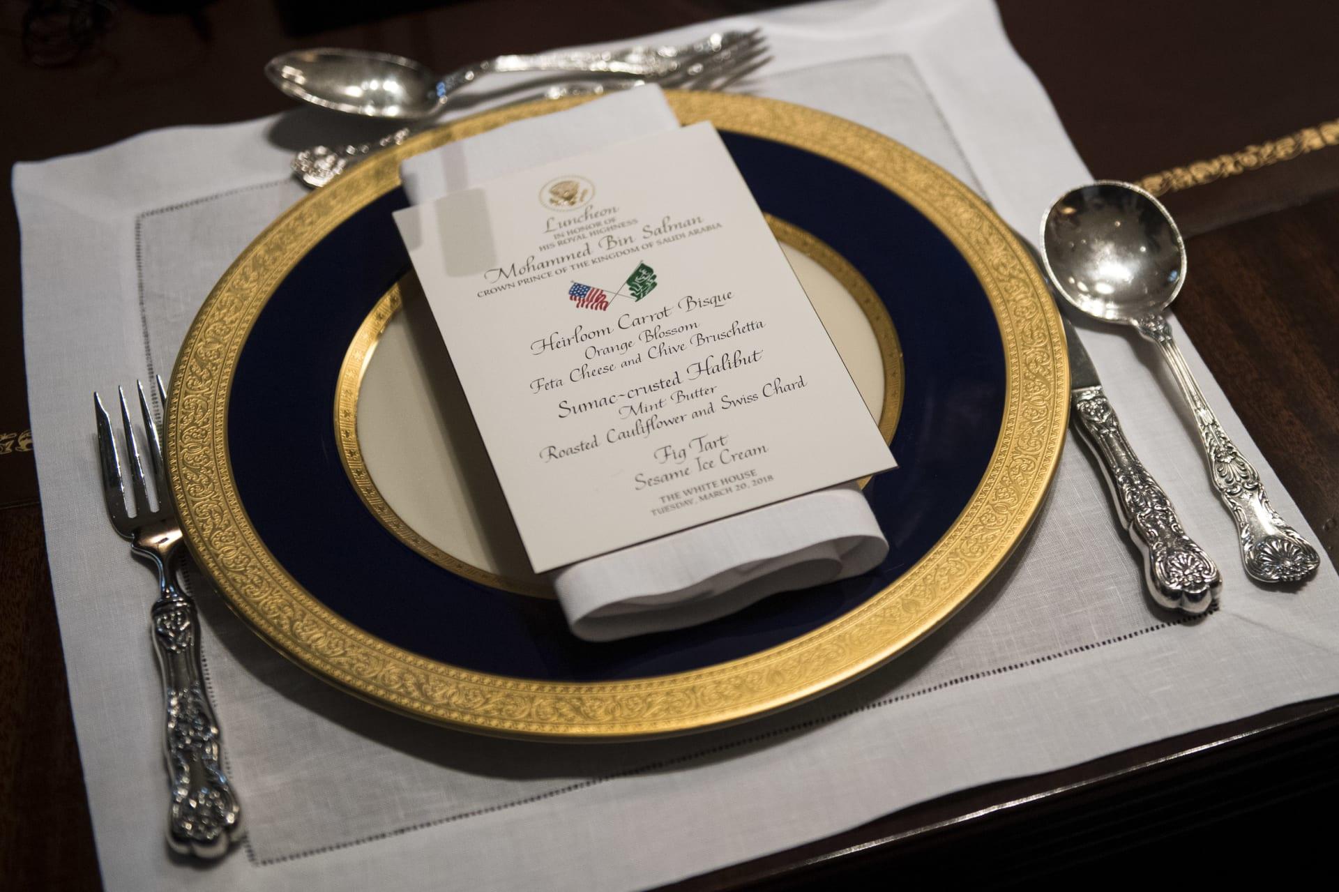 ولي العهد السعودي يلتقي بأعضاء مجلس الشيوخ