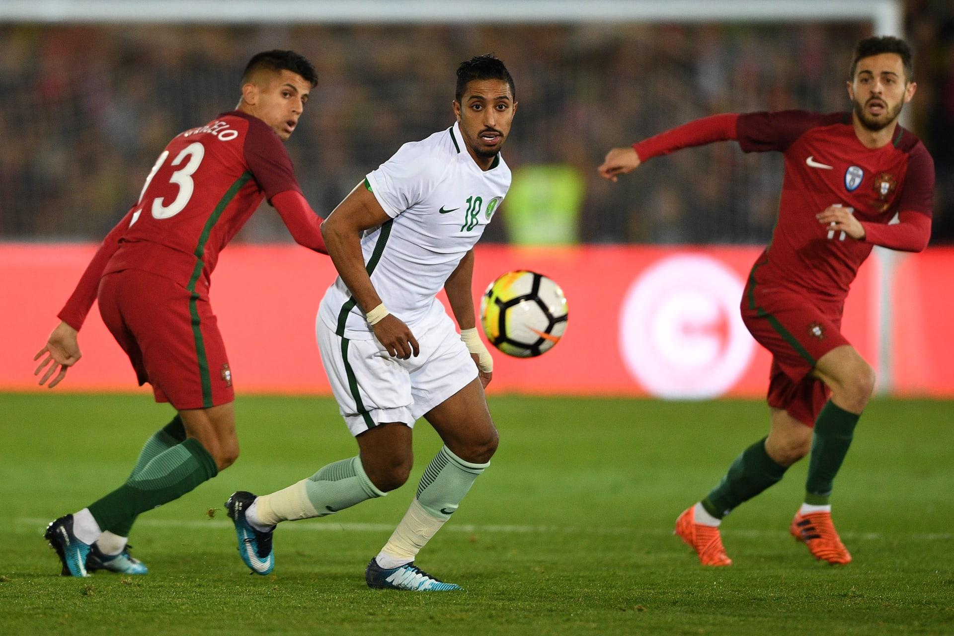 المنتخب السعودي يكشف عن زيه الرسمي في كأس العالم 2018