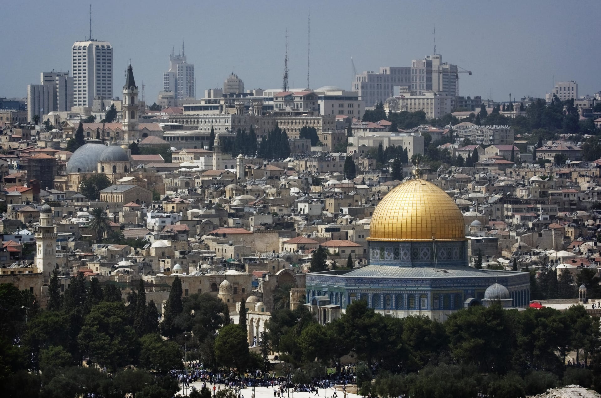 ترامب يبارك لإسرائيل: نتطلع لنقل سفارتنا للقدس الشهر القادم